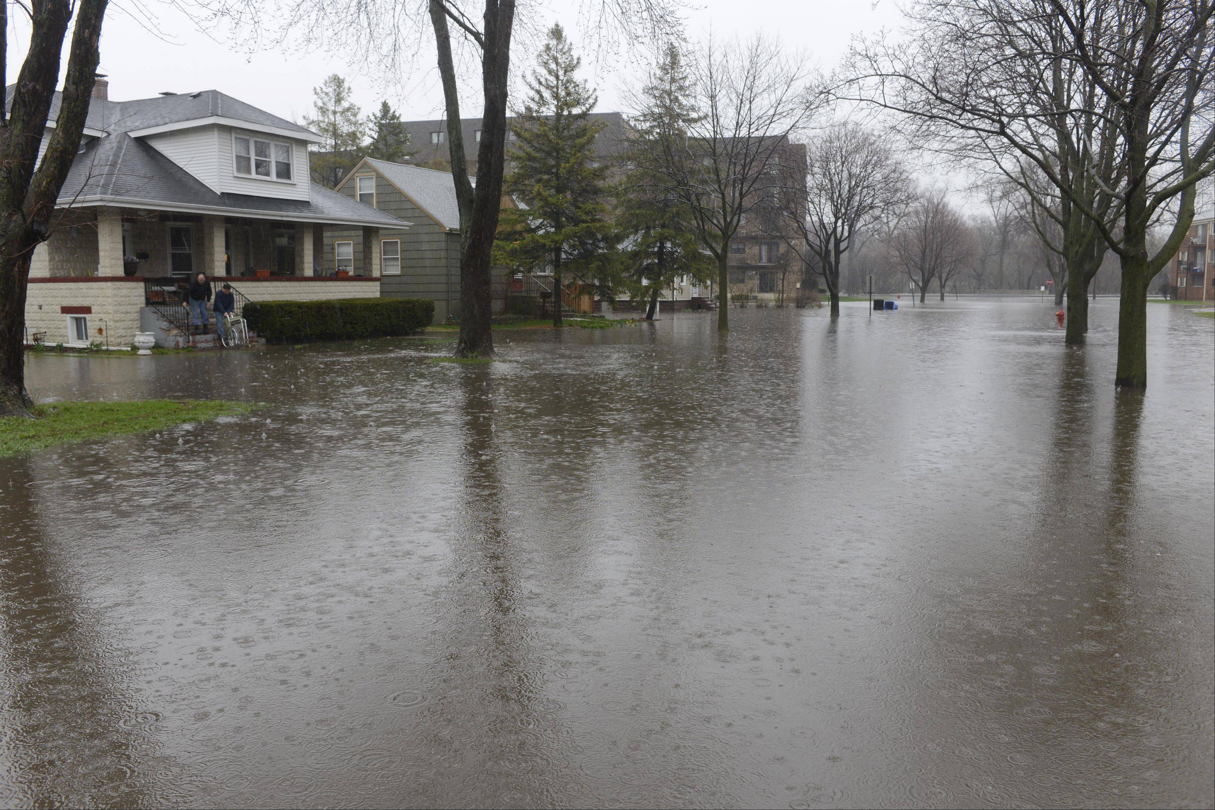Oakwood Avenue in Des Plaines, just east of the River, is closed due to flooding Thursday.