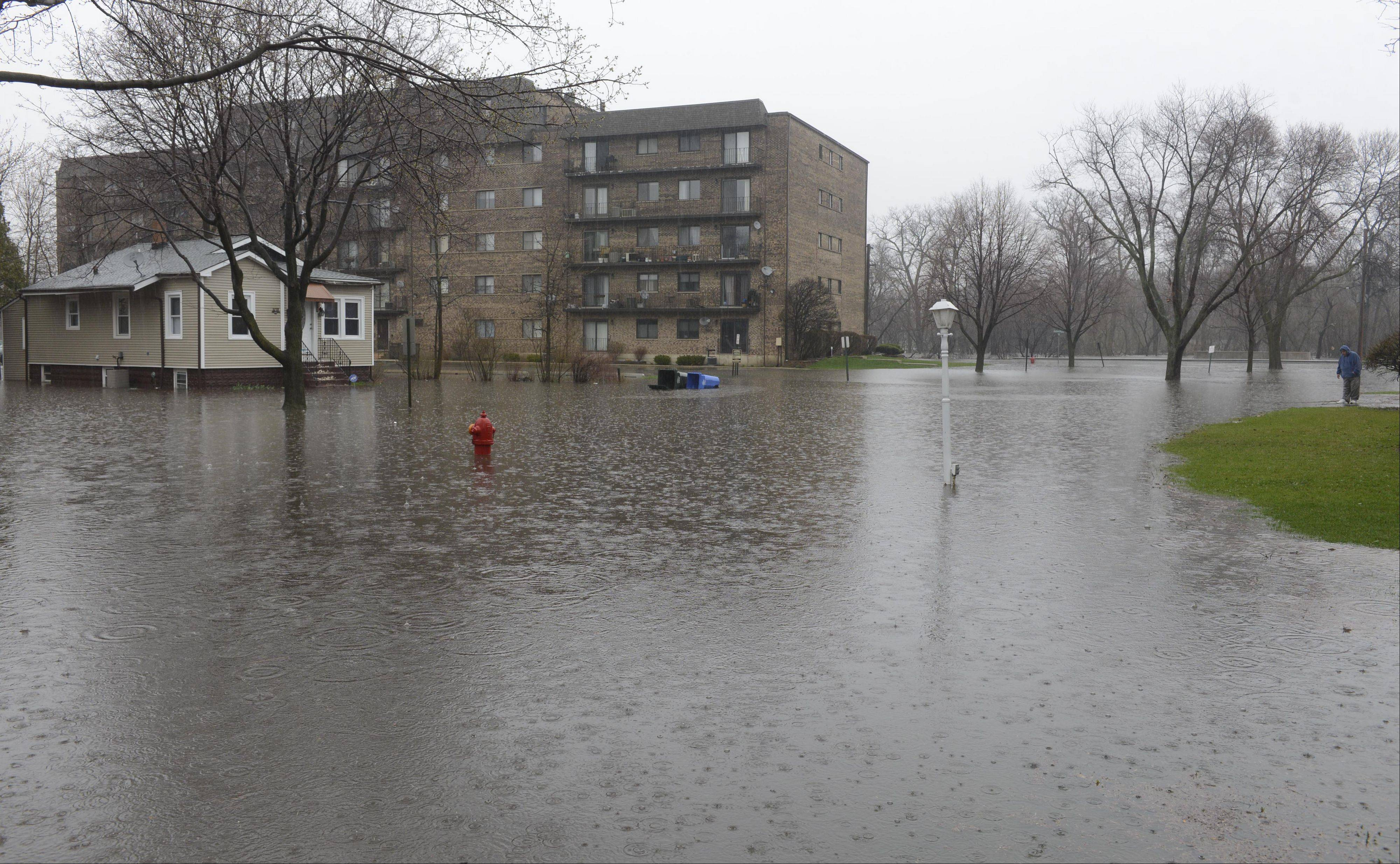 Oakwood Avenue in Des Plaines, just west of the river, is closed due to flooding Thursday.