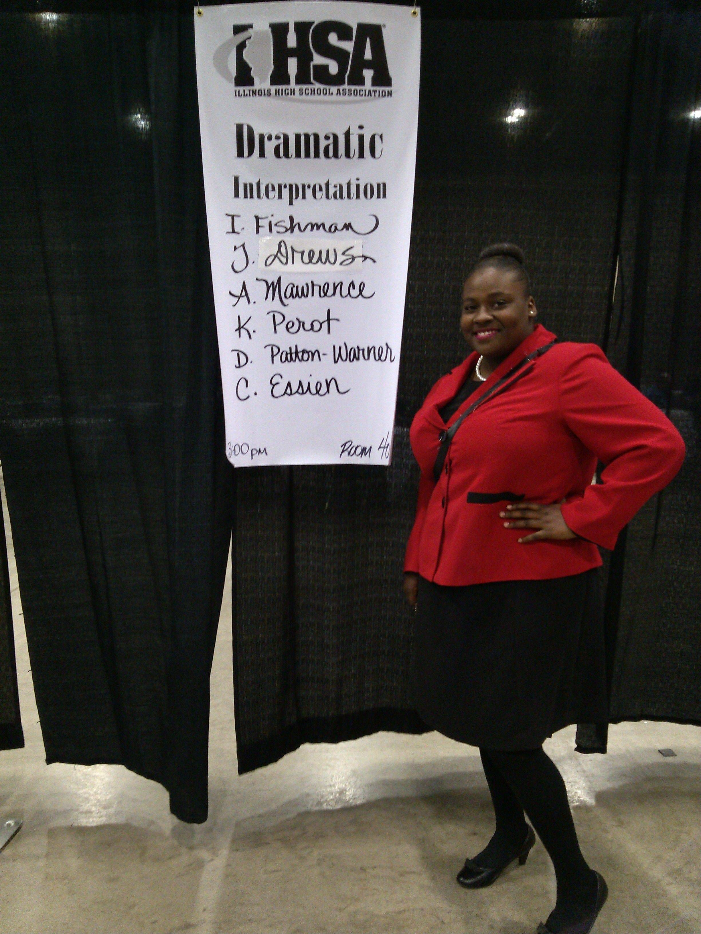 Buffalo Grove senior Kymeisha Perot tied for Fifth Place at State in Dramatic Interpretation.