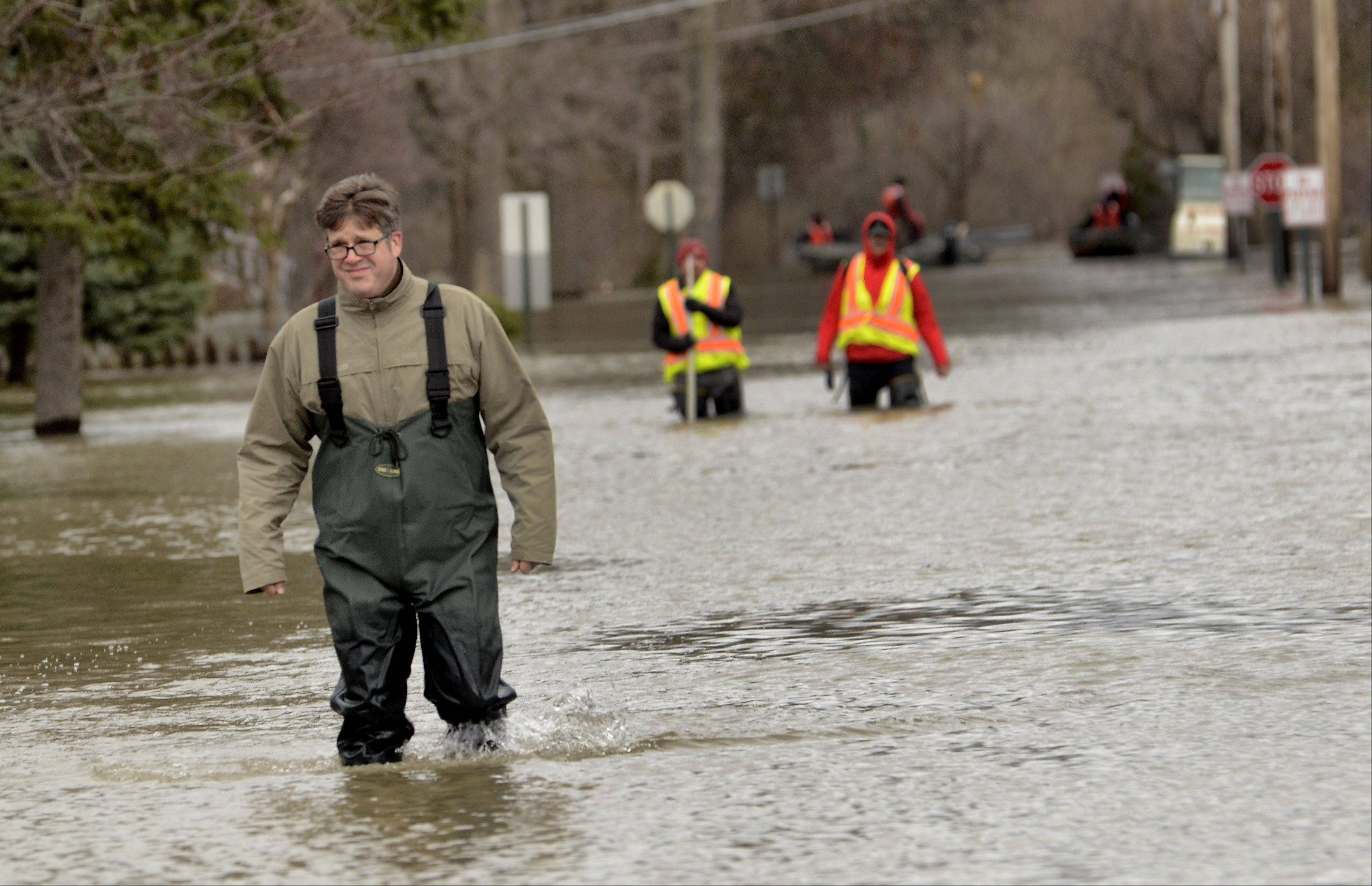 Des Plaines River receding; officials describe evacuation