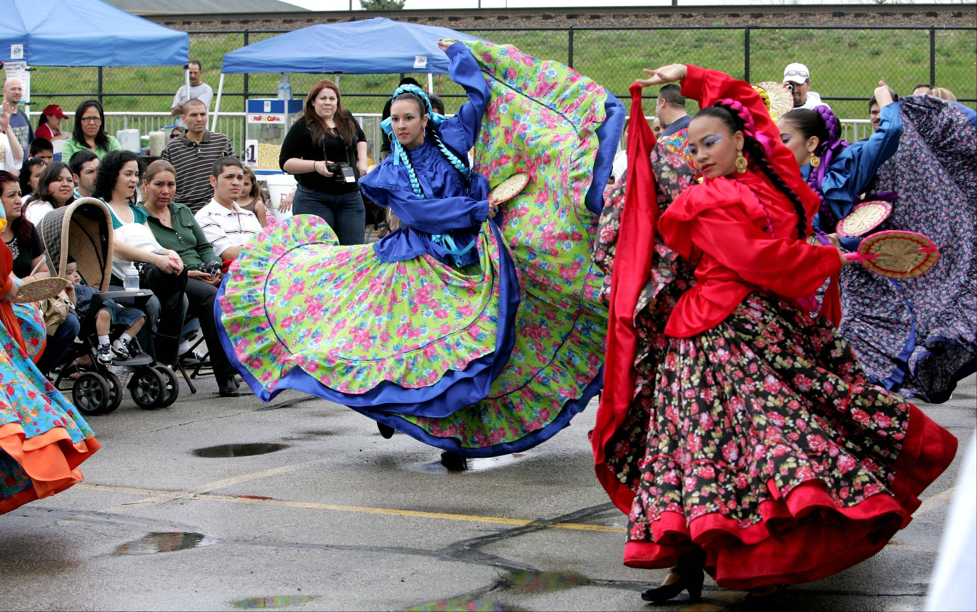 Ballet Folklorico Quetzolcoatl will perform Saturday, April 27 during the annual El Dia de los Ninos festival at Spring Street and Lincoln Avenue in Aurora.