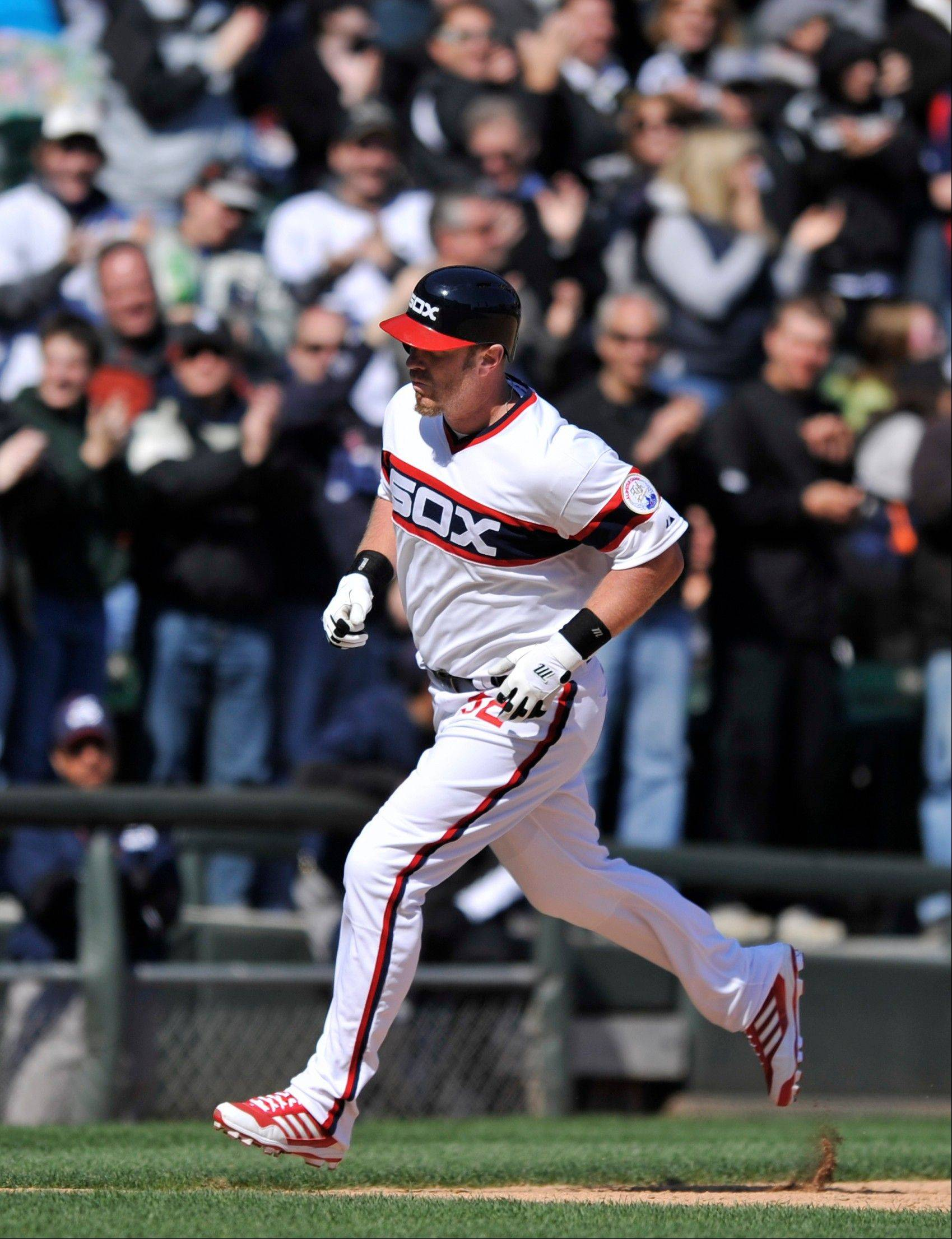 White Sox DH/first baseman Adam Dunn ended an extended slump Sunday with a solo home run against the Minnesota Twins during the seventh inning.