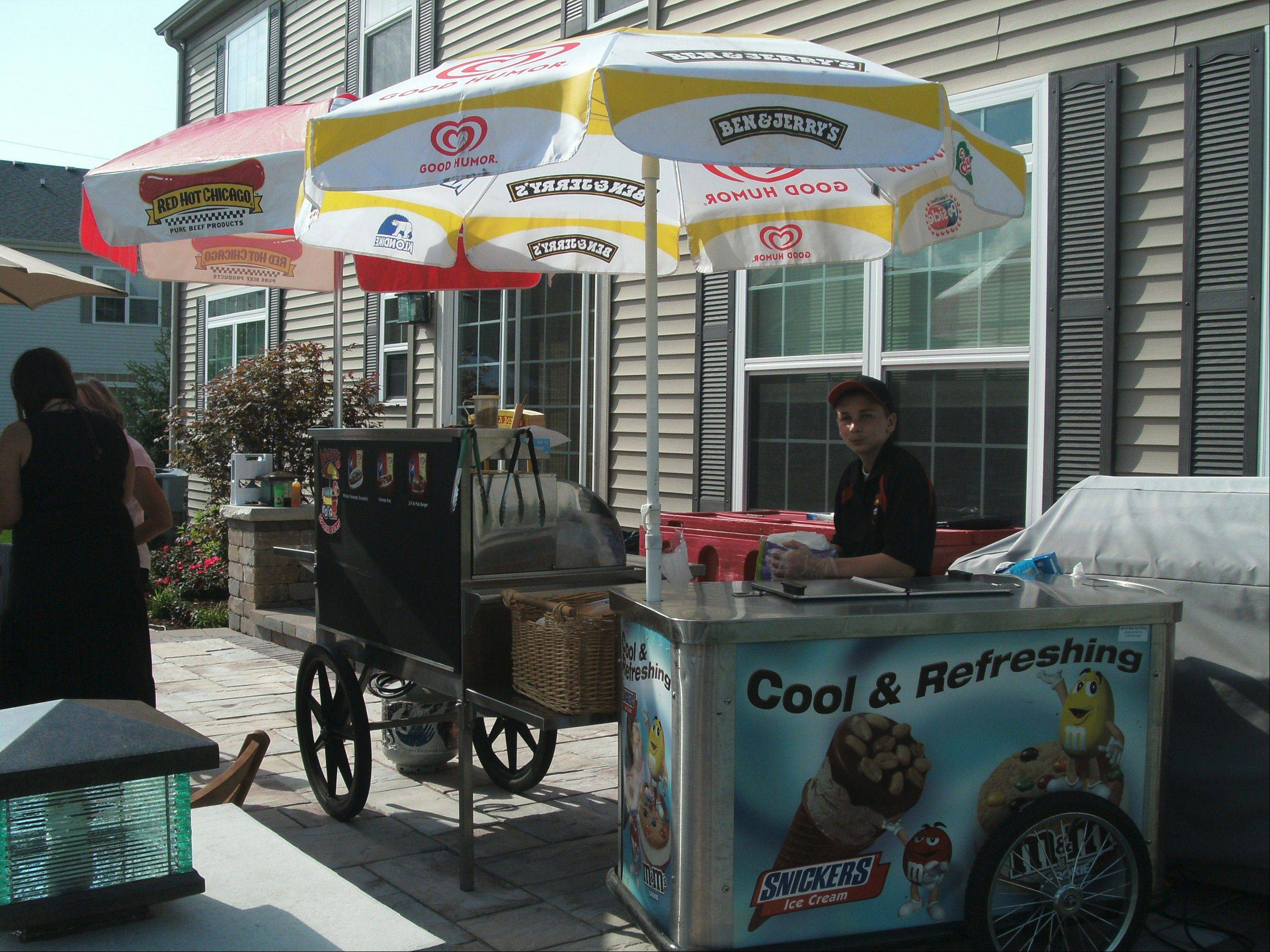 Hot dogs, ice cream and other carnival fare are popular go-to items for parties. Uniformed servers add a touch of authenticity.