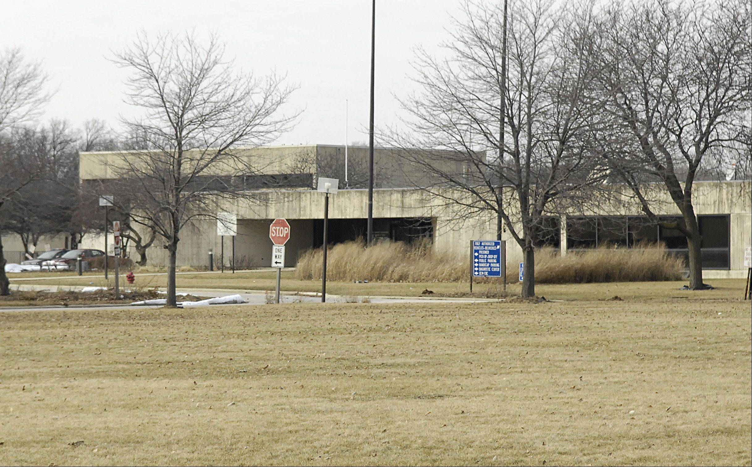 Front entrance to the old Kane County Sheriff's Office and Jail on Fabyan Parkway in Geneva.