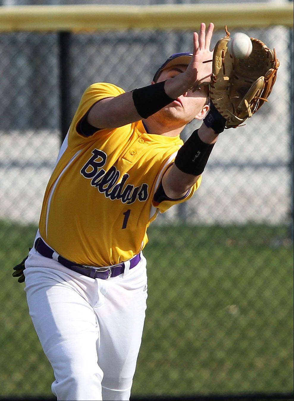 Wauconda's Jeff Lindberg makes a catch in the outfield Wednesday at Vernon Hills.