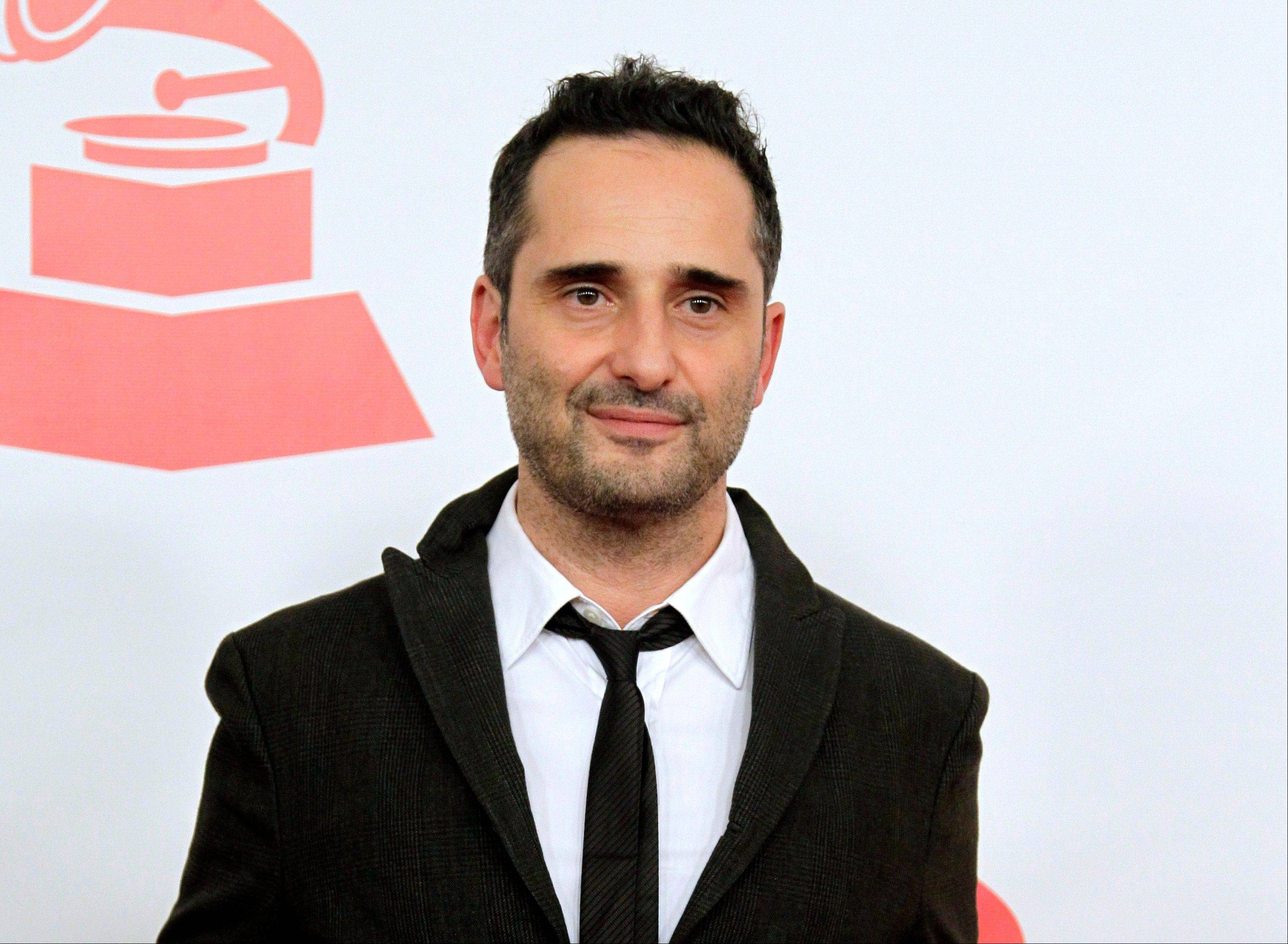 A mobile phone app musician Jorge Drexler created with Wake App designers recently debuted three new songs.