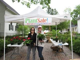 Jan Marchese (left) and Kathleen Sullivan Kaska welcome shoppers.