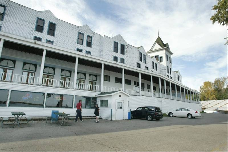 The Mineola Hotel In Fox Lake Was Named Tuesday To 2017 List Of 10 Most