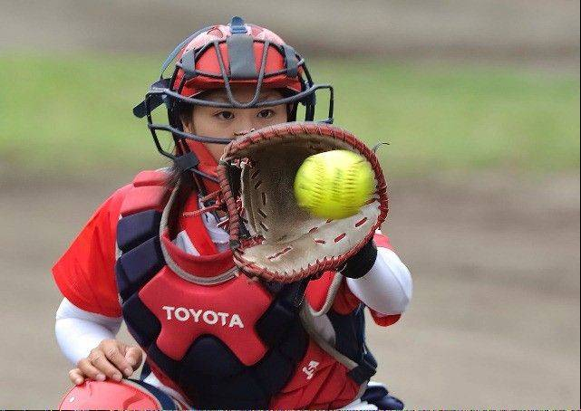 Kazuki Watanabe, who has played with Bandits star pitcher Monica Abbott in the Japanese Softball League, has signed to play in the NPF with the Chicago Bandits.