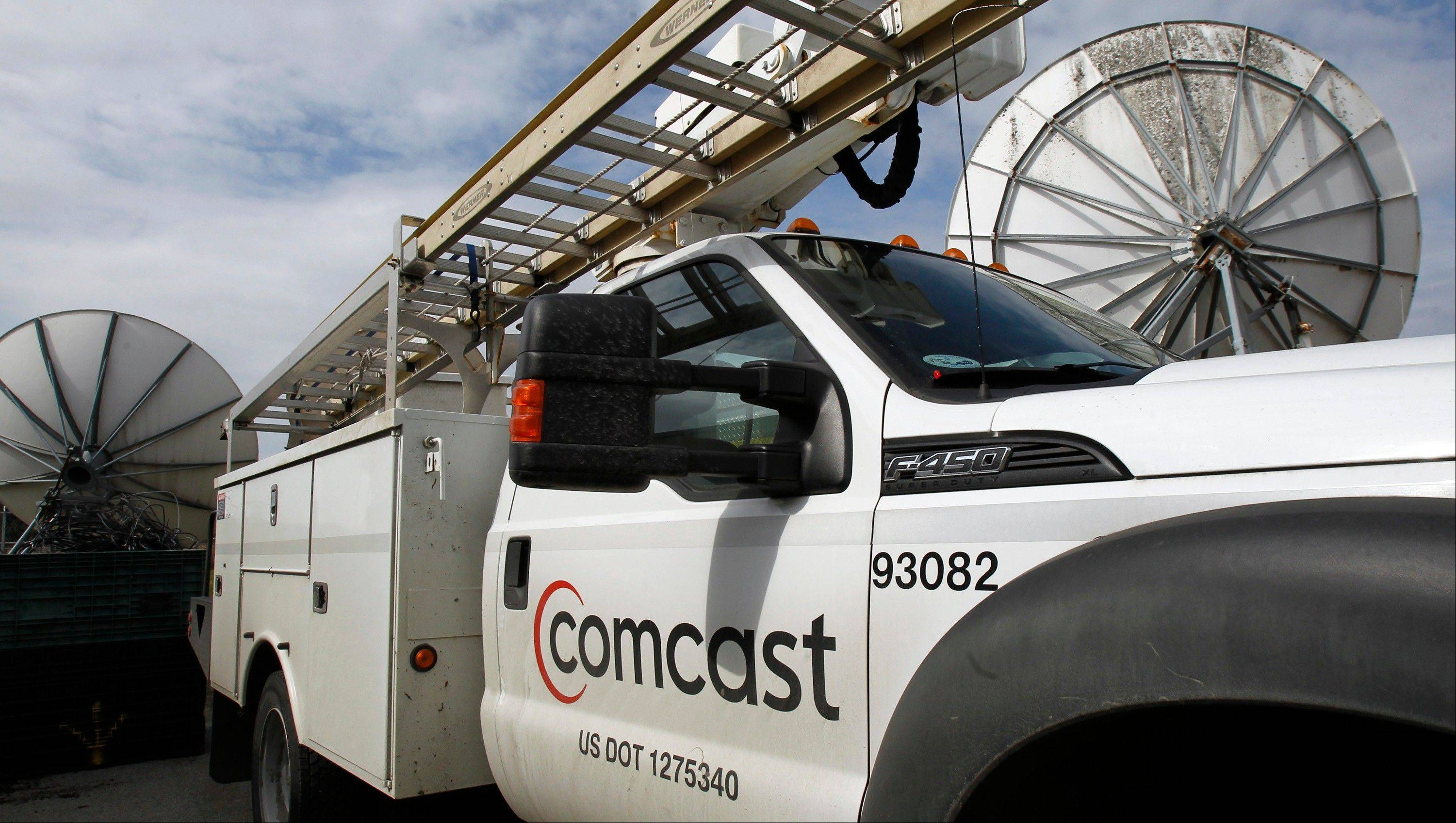 Comcast Corp., the nation�s largest cable company and owner of NBCUniversal, on Wednesday said its net income rose 17 percent in the latest quarter, powered by continued strong results from its cable operations.