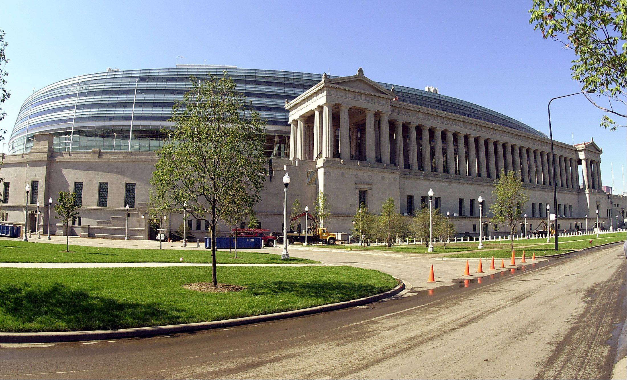 Blackhawks to host Penguins in Soldier Field night game