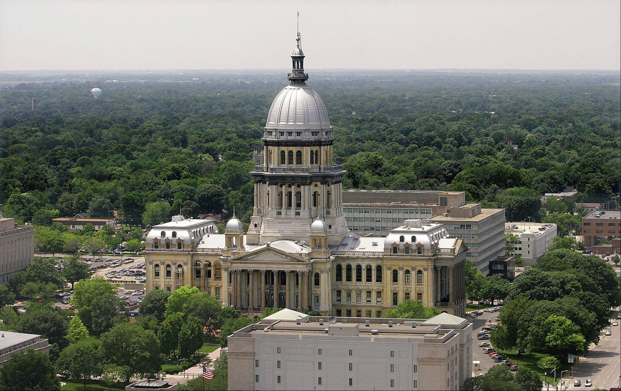 The Illinois House approved a major package of pension benefit cuts Thursday.