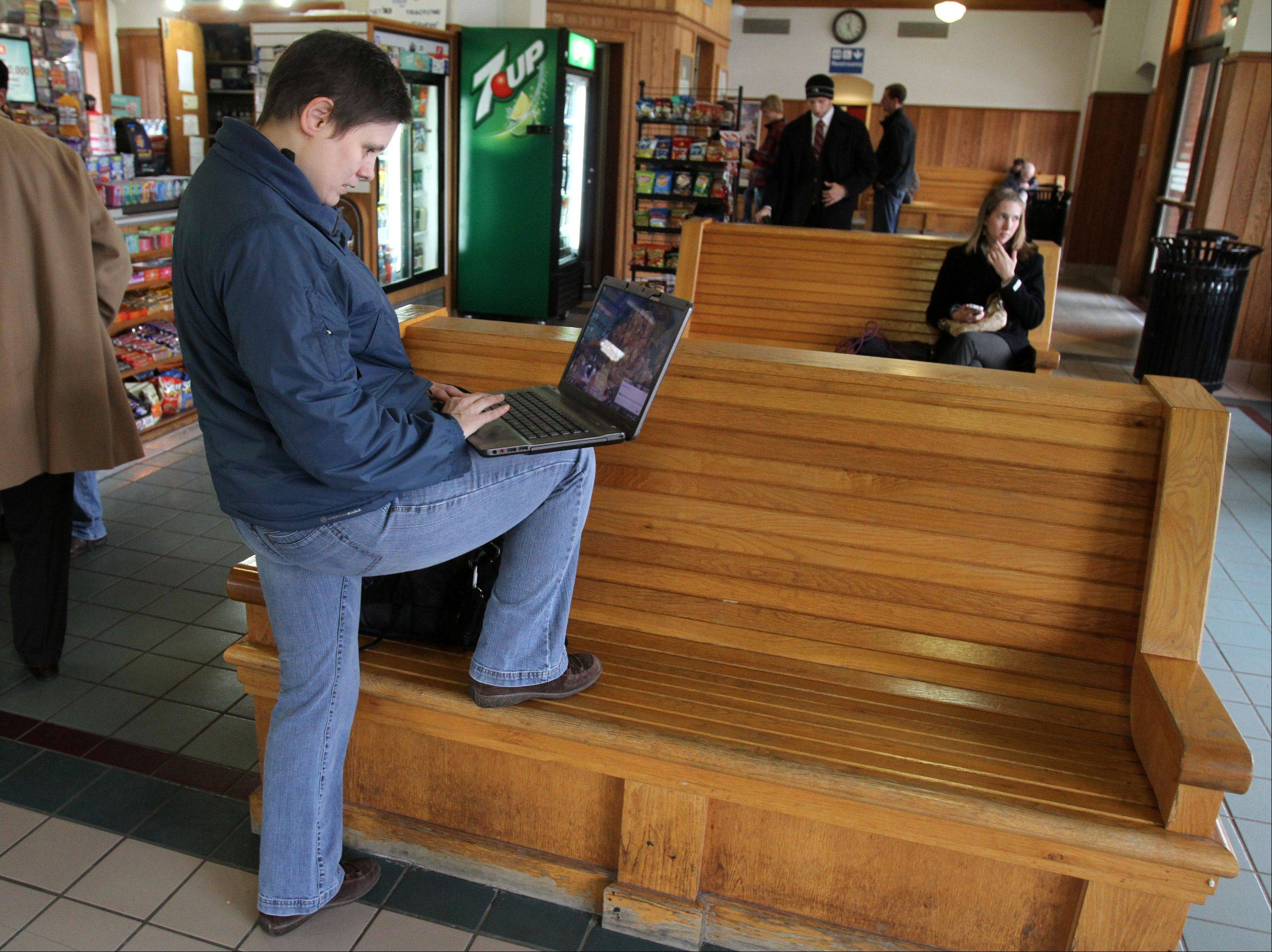 There's free Wi-Fi at the Arlington Heights Metra station -- but not onboard trains.