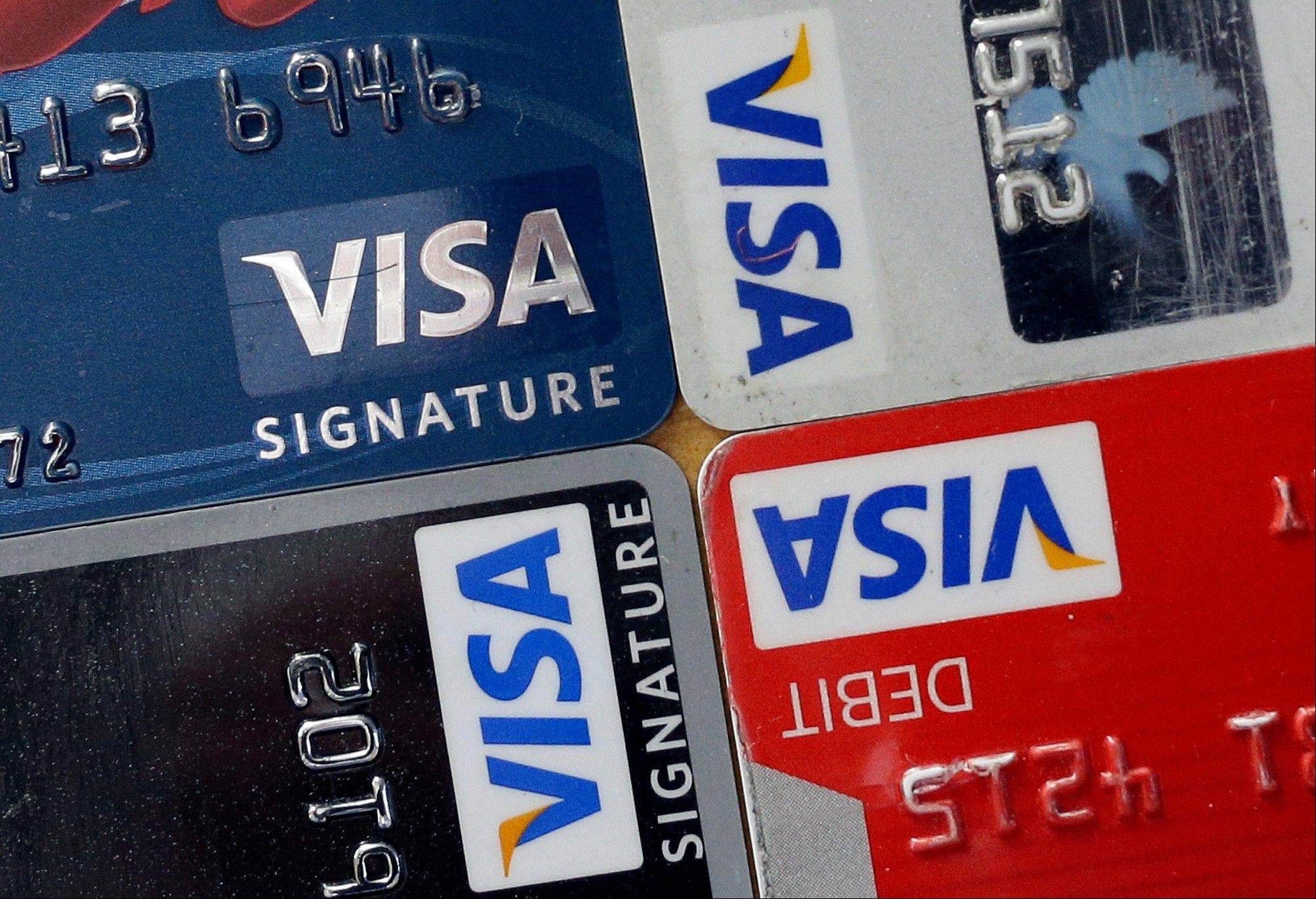 Visa�s total operating revenue climbed 15 percent to $2.96 billion, surpassing the $2.85 billion estimate of analysts surveyed by Bloomberg.