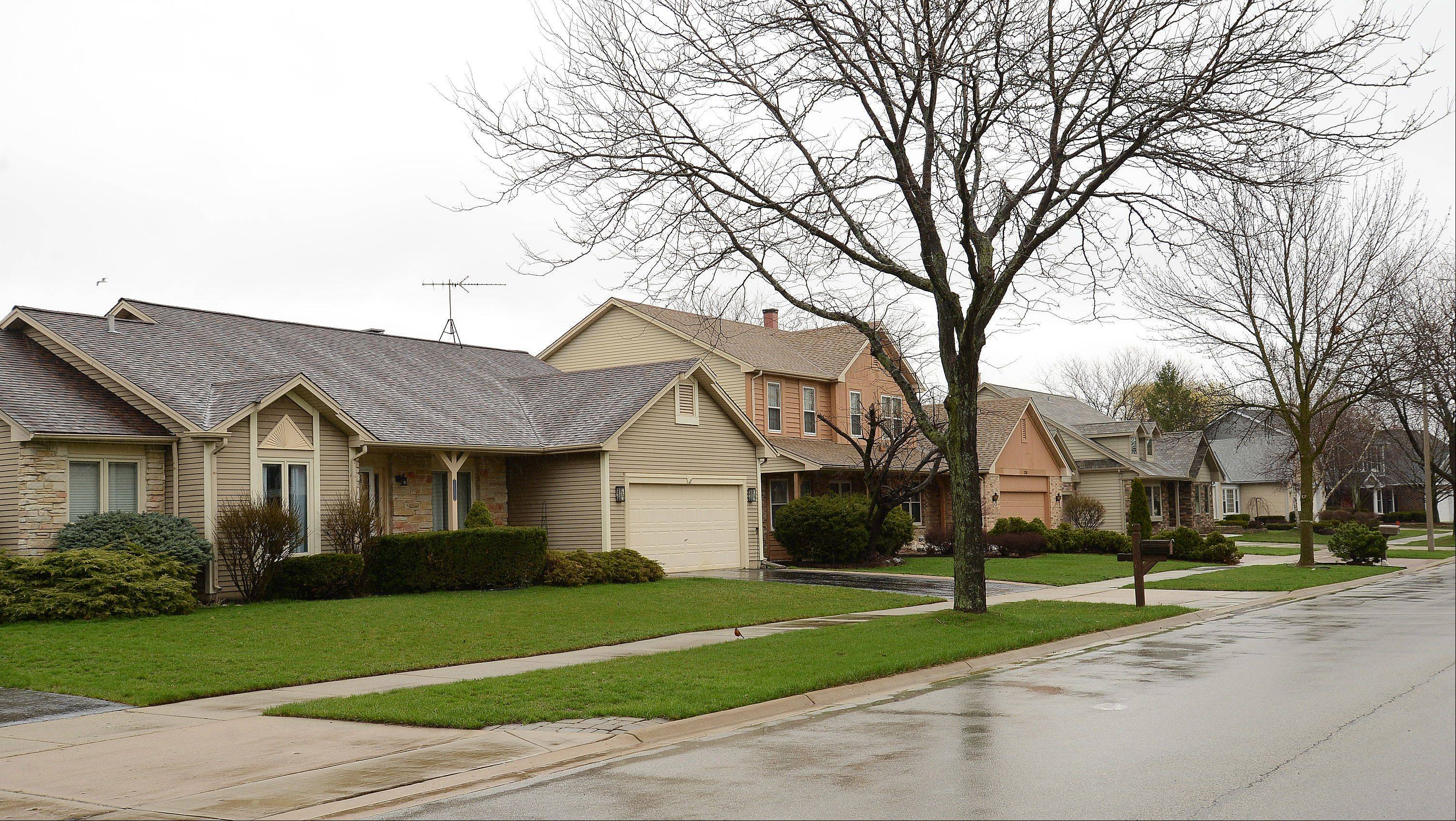 Theses single-family homes along Walden Lane are typical of those found in the Lake Arlington neighborhood.