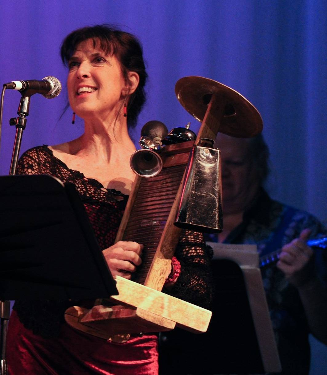 Vocalist/Musician Barbara Silverman will perform on May 28 at Northbrook Community Synagogue's Women's Havurah's culminating dinner