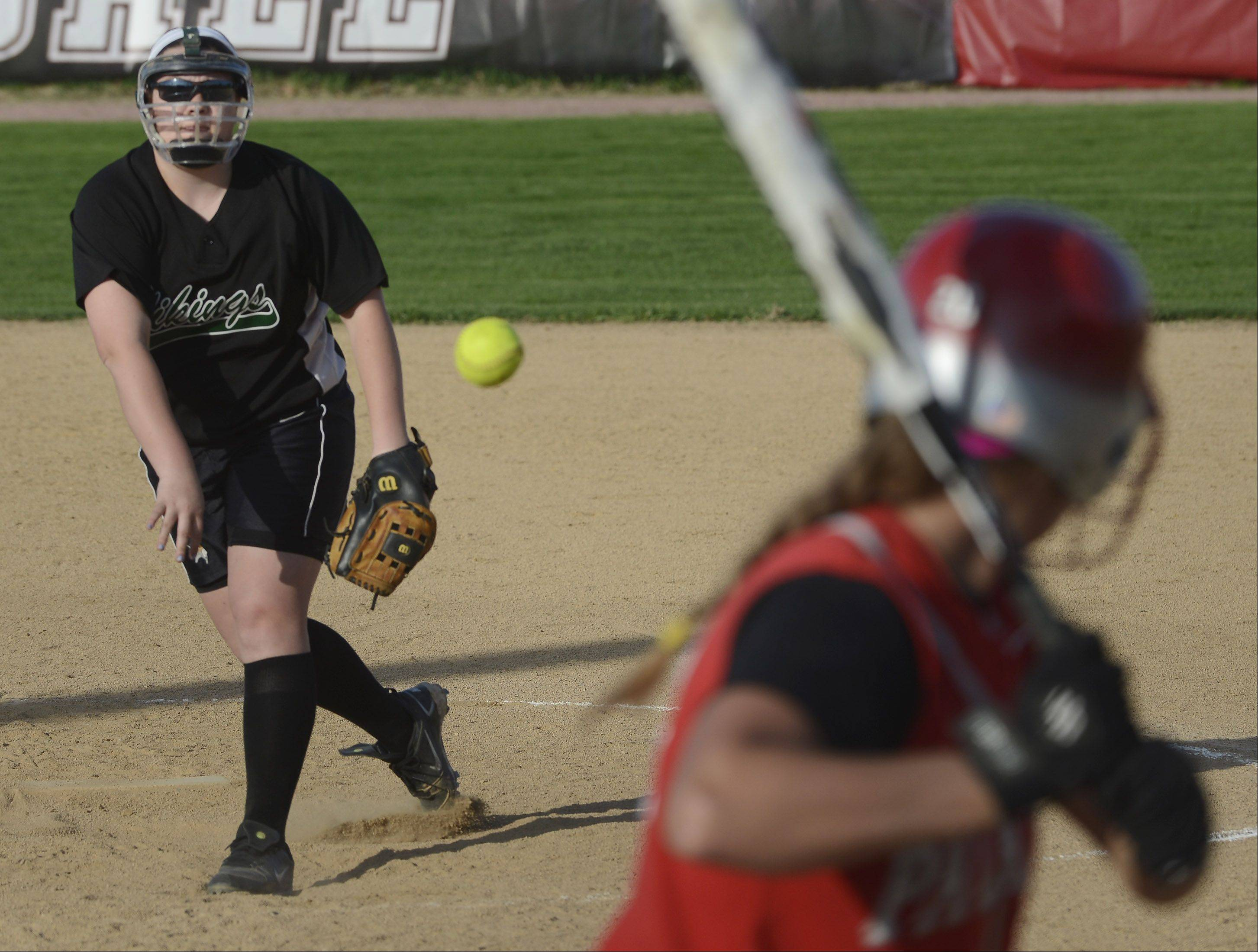 Fremd�s Riley Zimmer delivers a pitch during Tuesday�s game at Palatine.
