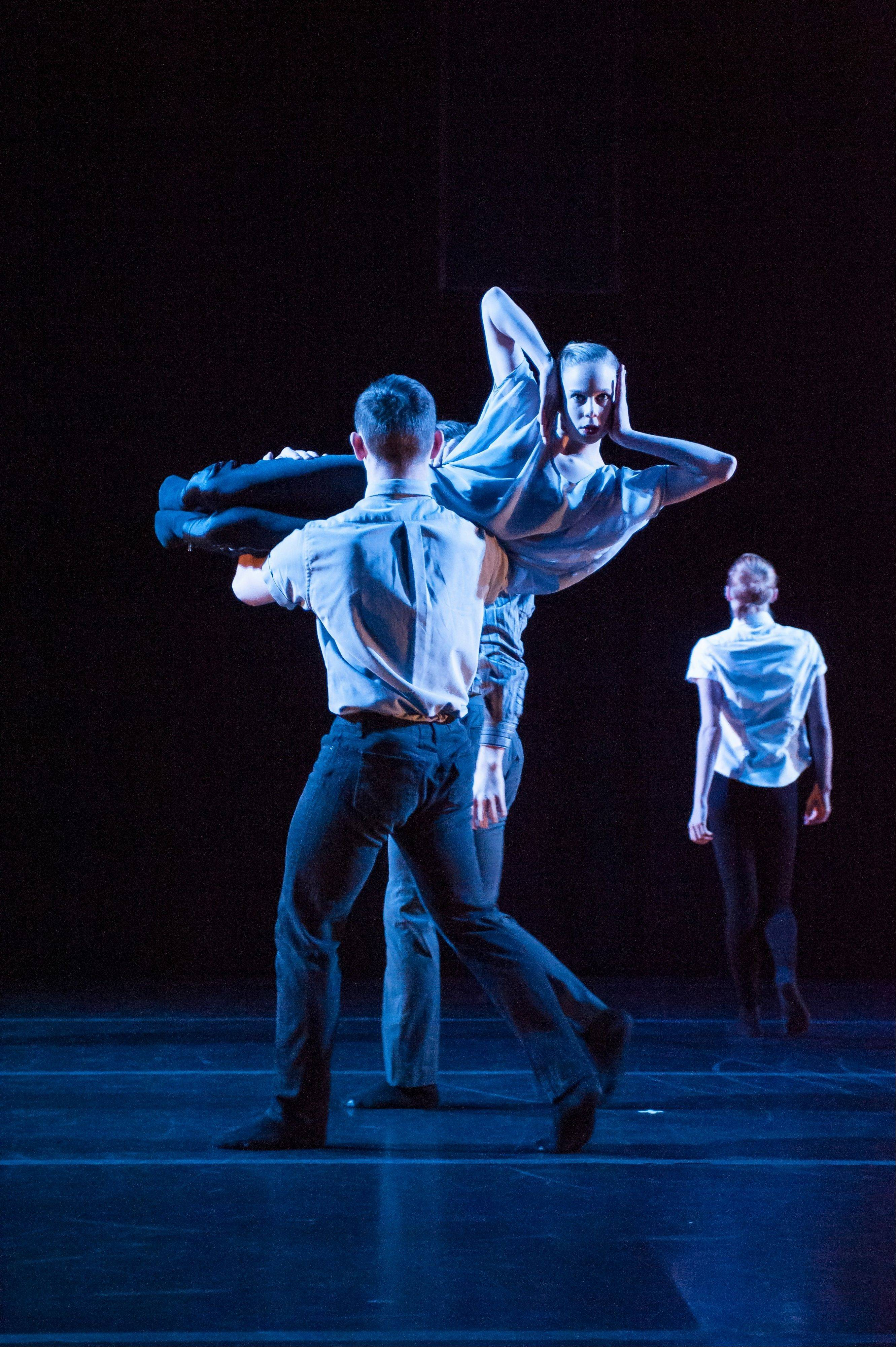"Hubbard Street 2 dancers Brandon Lee Alley, Lissa Smith and ensemble perform in Robyn Mineko Williams' ""Recall."" The troupe appears at Fermilab in Batavia and is presented by College of DuPage in Glen Ellyn."
