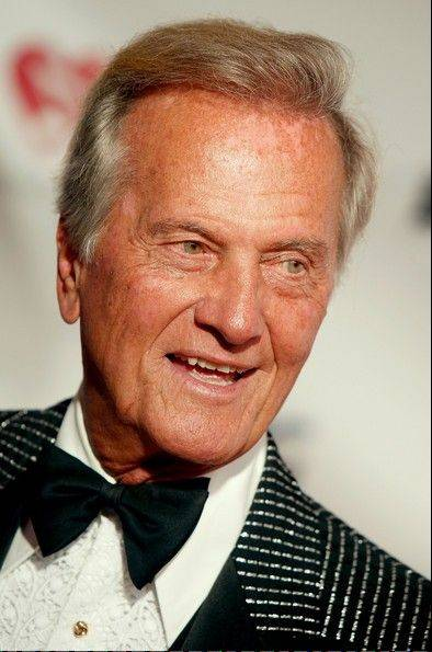 Singer Pat Boone performs at the Drury Lane Theatre in Oakbrook Terrace.