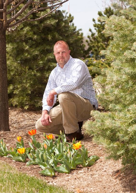 Brian Clement, adjunct Horticulture faculty, has been named College of DuPage's Overall Outstanding Part-Time Faculty Member for 2012-13.