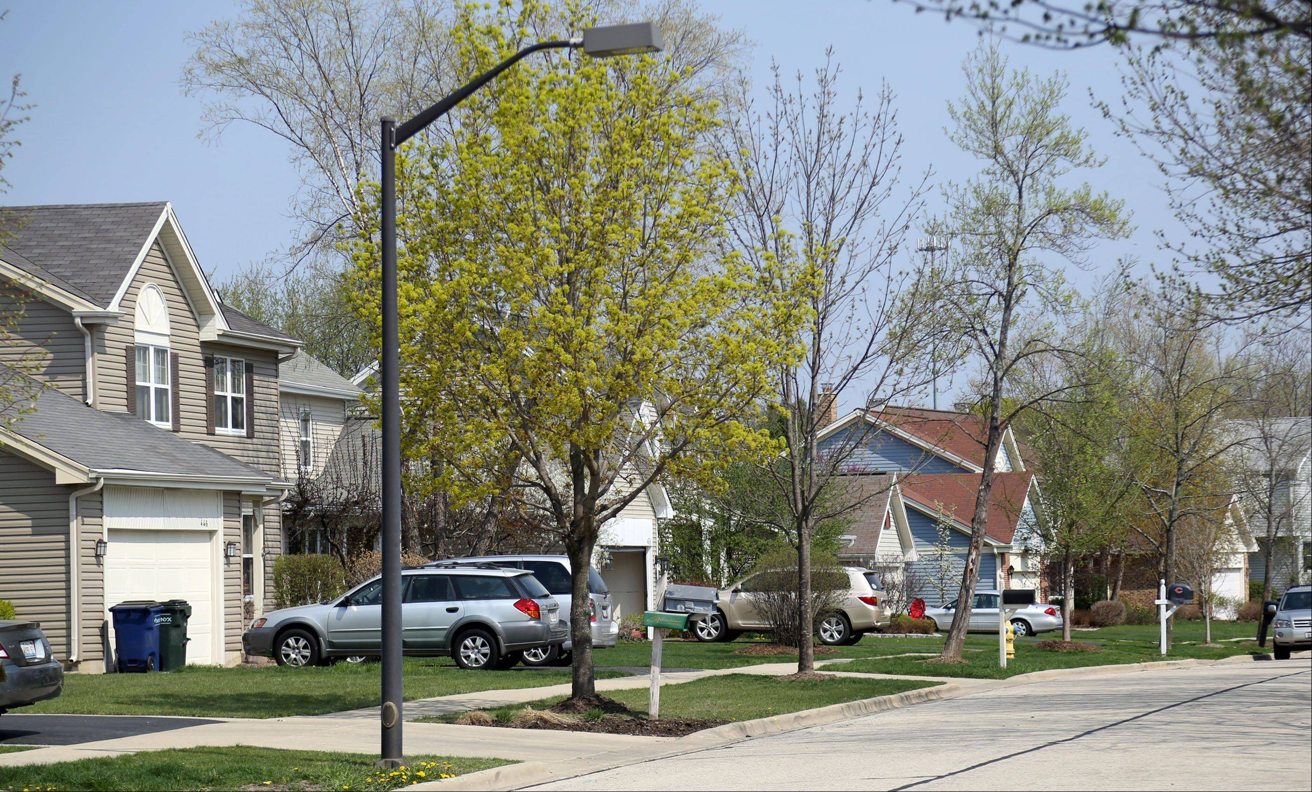 A close-knit community and good schools attract buyers to the Hawthorn Club neighborhood in Vernon Hills.