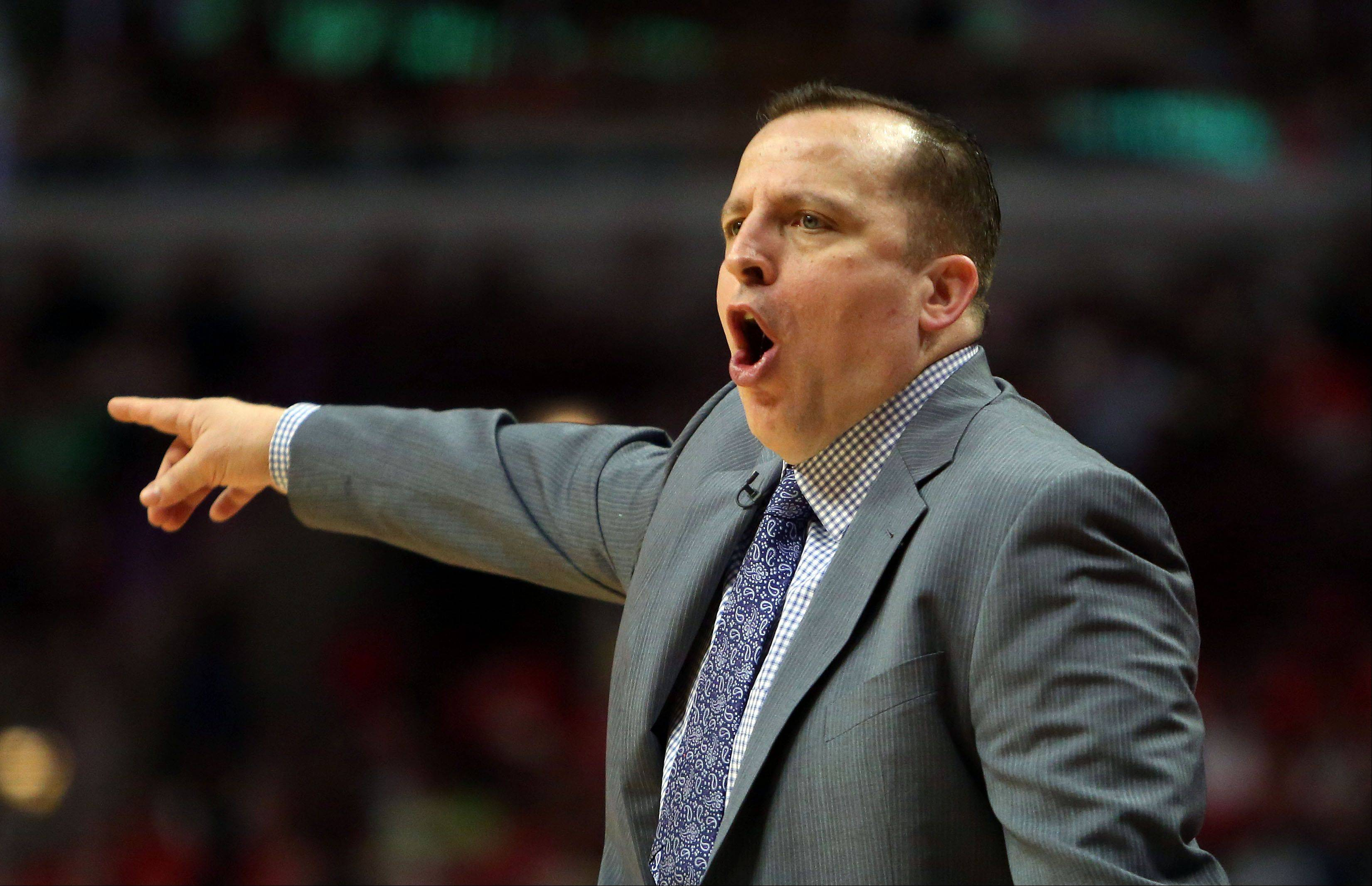 Chicago Bulls coach Tom Thibodeau shouts out instructions.