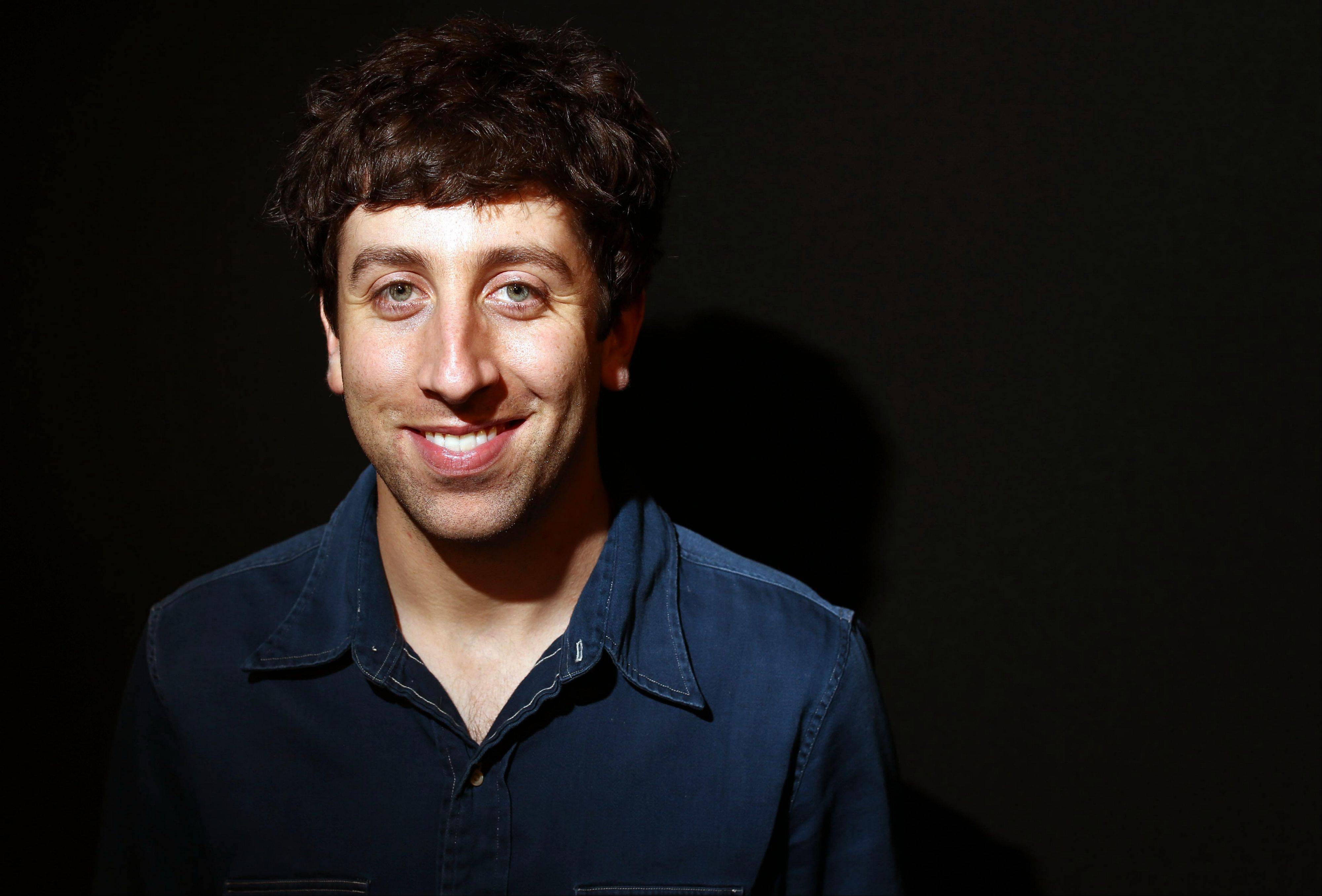 Actor Simon Helberg says viewers can expect a cliffhanger in the season finale of �The Big Bang Theory.�