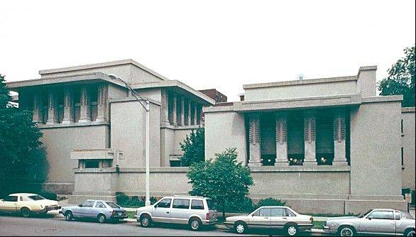 An agreement has been reached to restore and preserve one of architect Frank Lloyd Wright's best-known works.Unity Temple in the suburban Chicago community of Oak Park was completed in 1908. It was Wright's first public building.