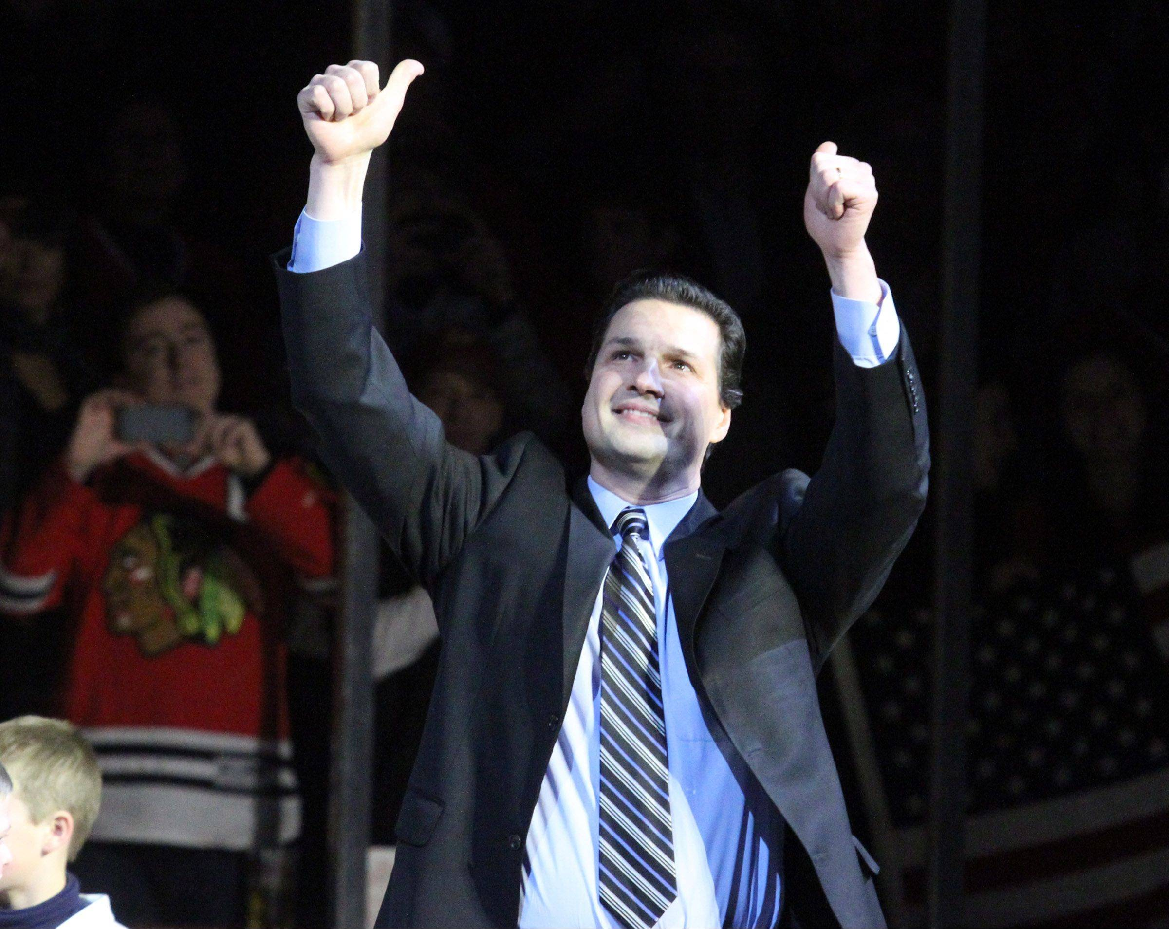 Former Blackhawks forward Eddie Olczyk, now a TV analyst for the team, will be an instructor for a summer hockey camp at Glacier Ice Arena in Vernon Hills.