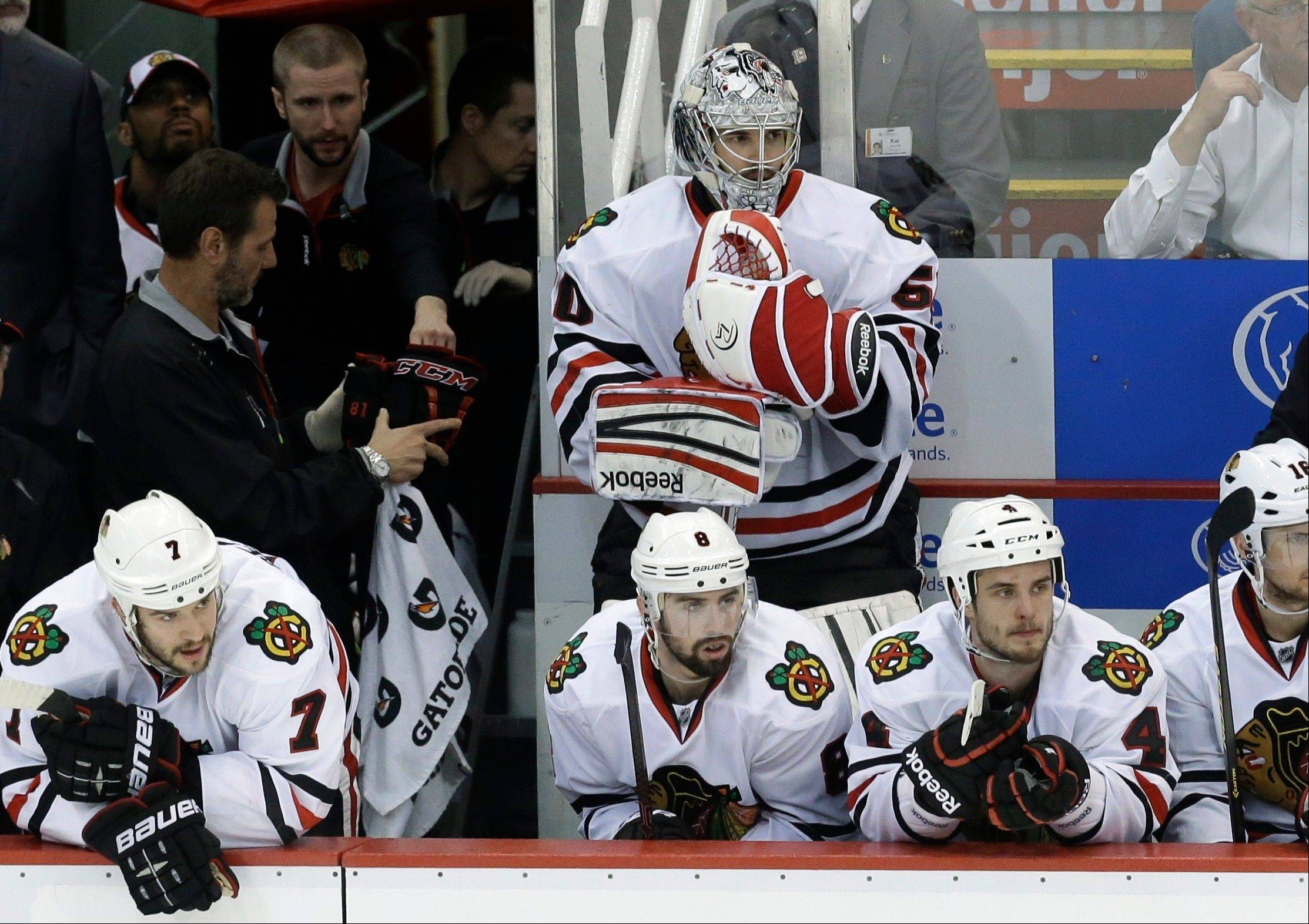 Blackhawks find urgency but no victory in Detroit