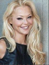 "Charlotte Ross, who grew up in Glencoe and Winnetka, stars on the new VH1 series, ""Hit the Floor."""
