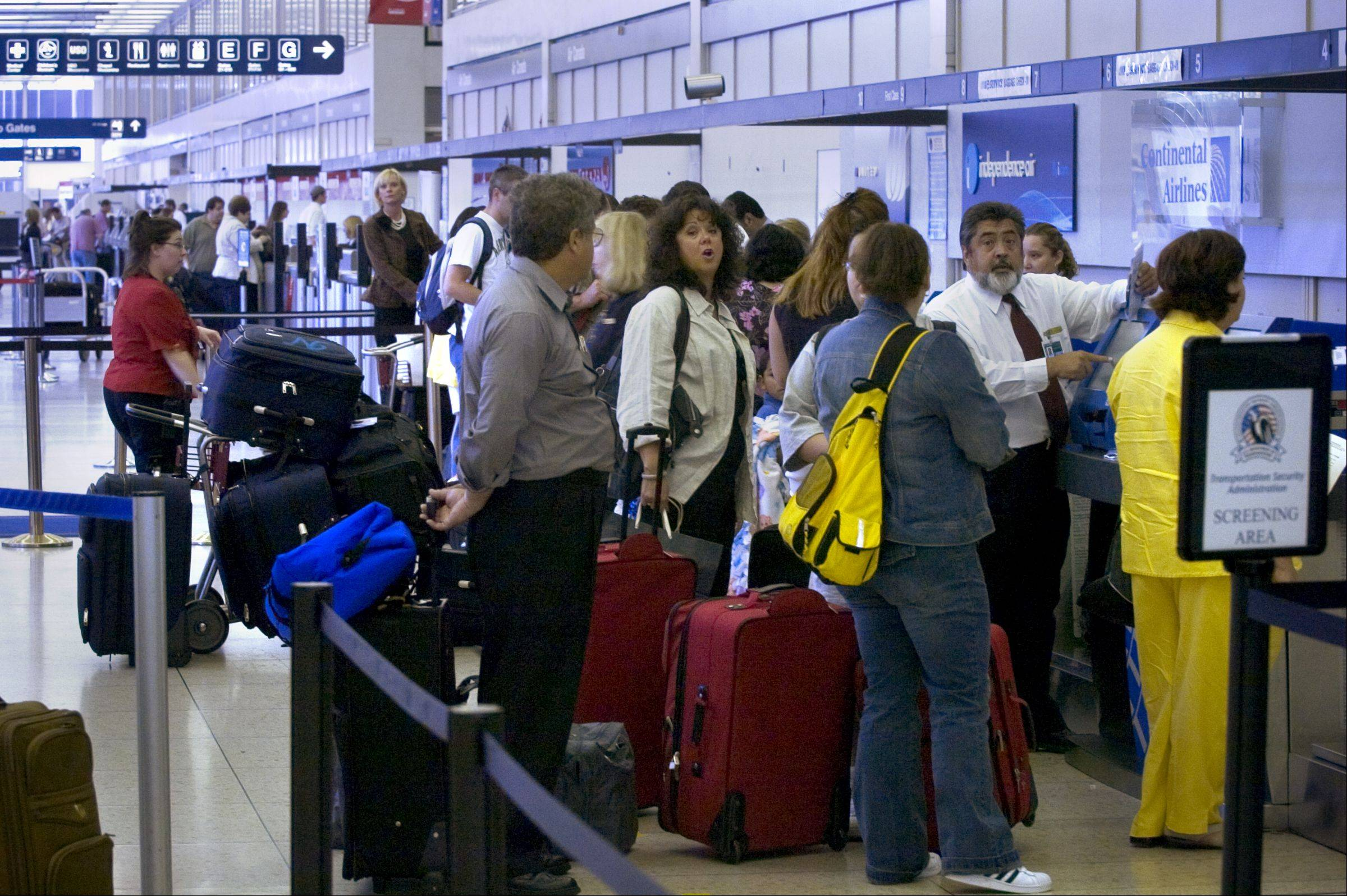 Busy holiday weekend expected at Chicago airports