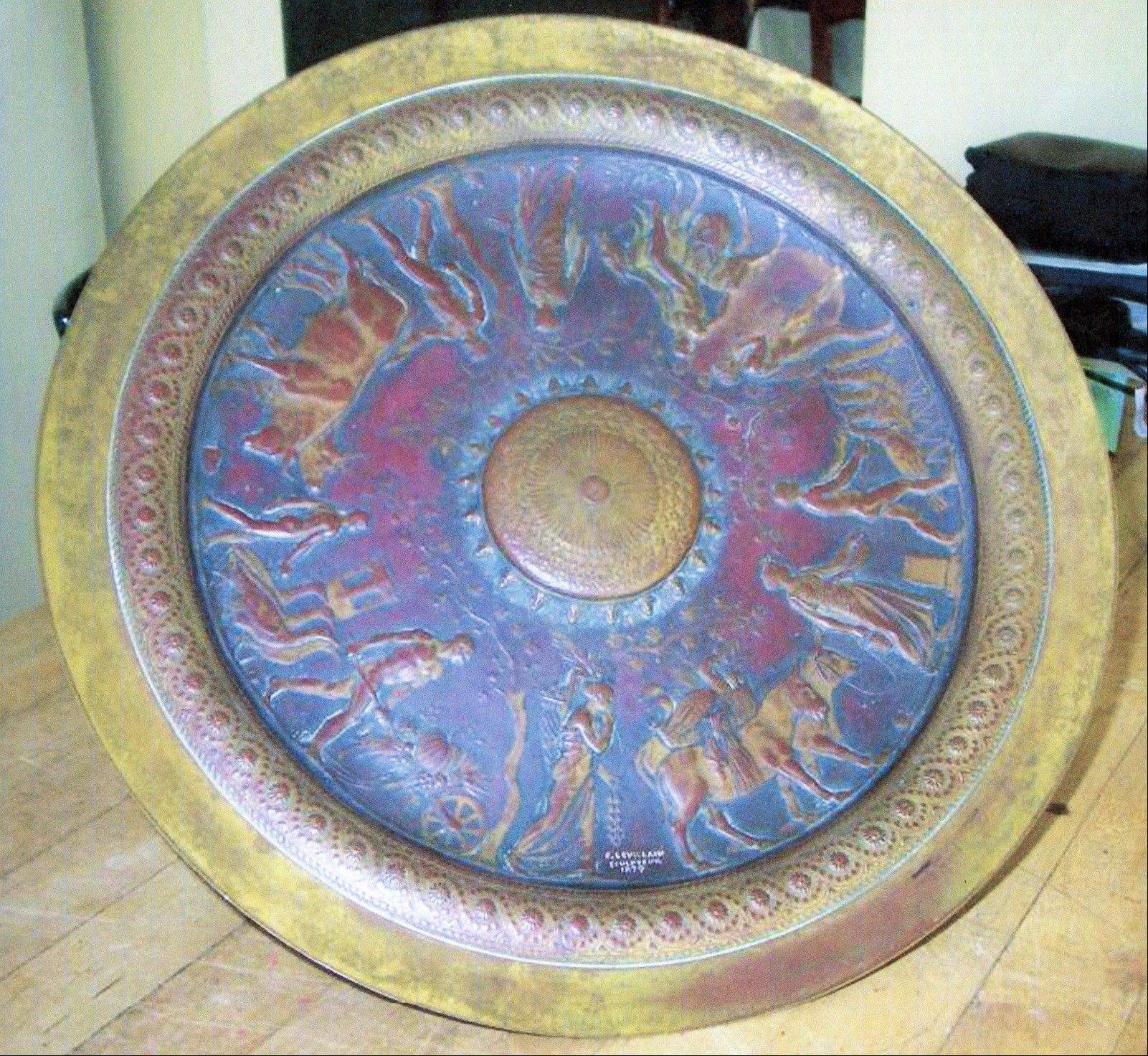 SH13E023TREASURES May 6, 2013 -- This bronze has the feel of ancient Rome, but is 19th-century French. (SHNS photo courtesy Joe Rosson and Helaine Fendelman / Treasures In Your Attic)
