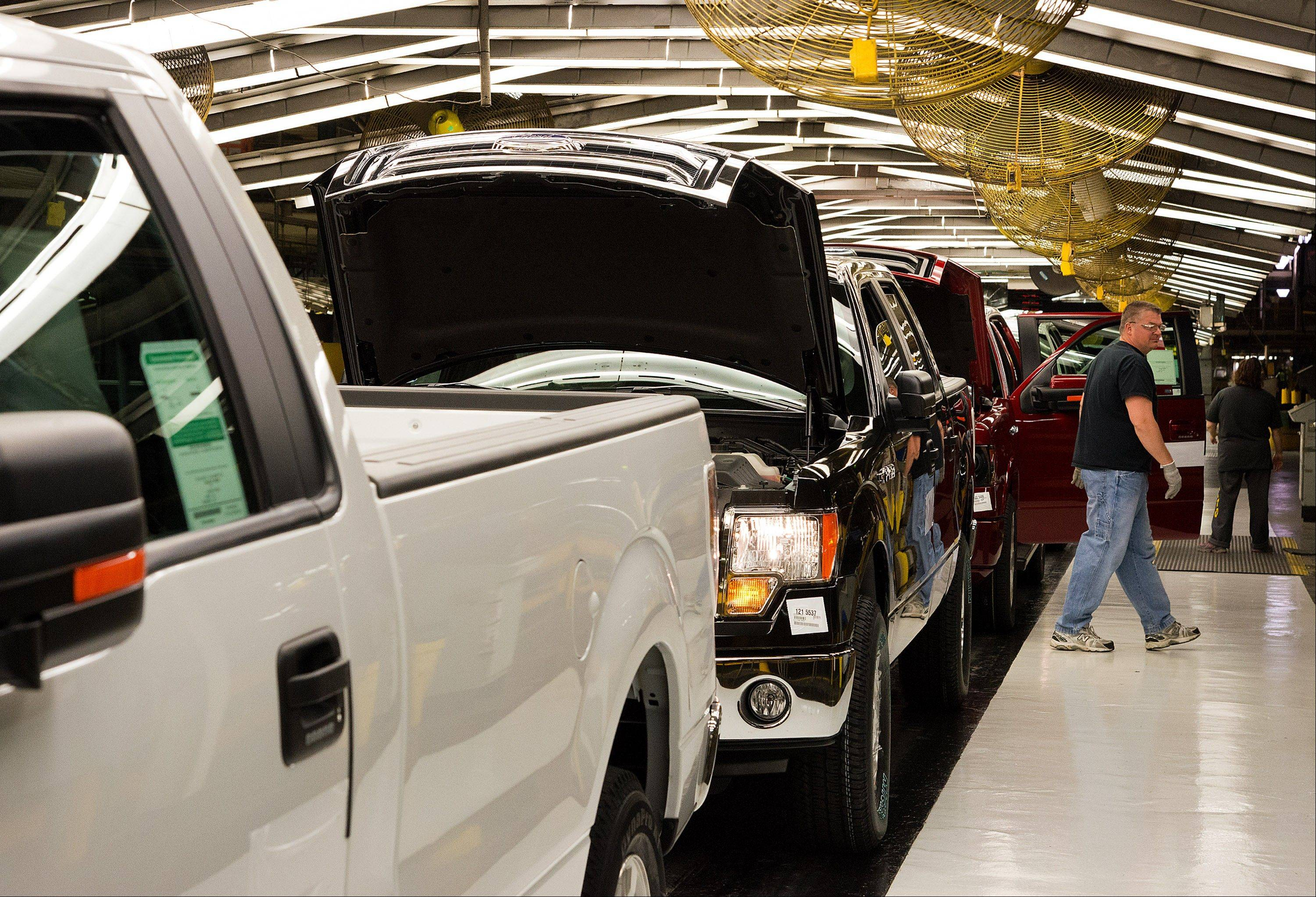 Automotive companies invested about $43 billion in North America from 2010 to 2012, of which $2.3 billion, or 5 percent, was pegged to Canada, according to the Center for Automotive Research. The U.S. and Mexico received $3.7 billion each last year, while Canada took about $200 million, the Ann Arbor, Michigan-based researcher said.