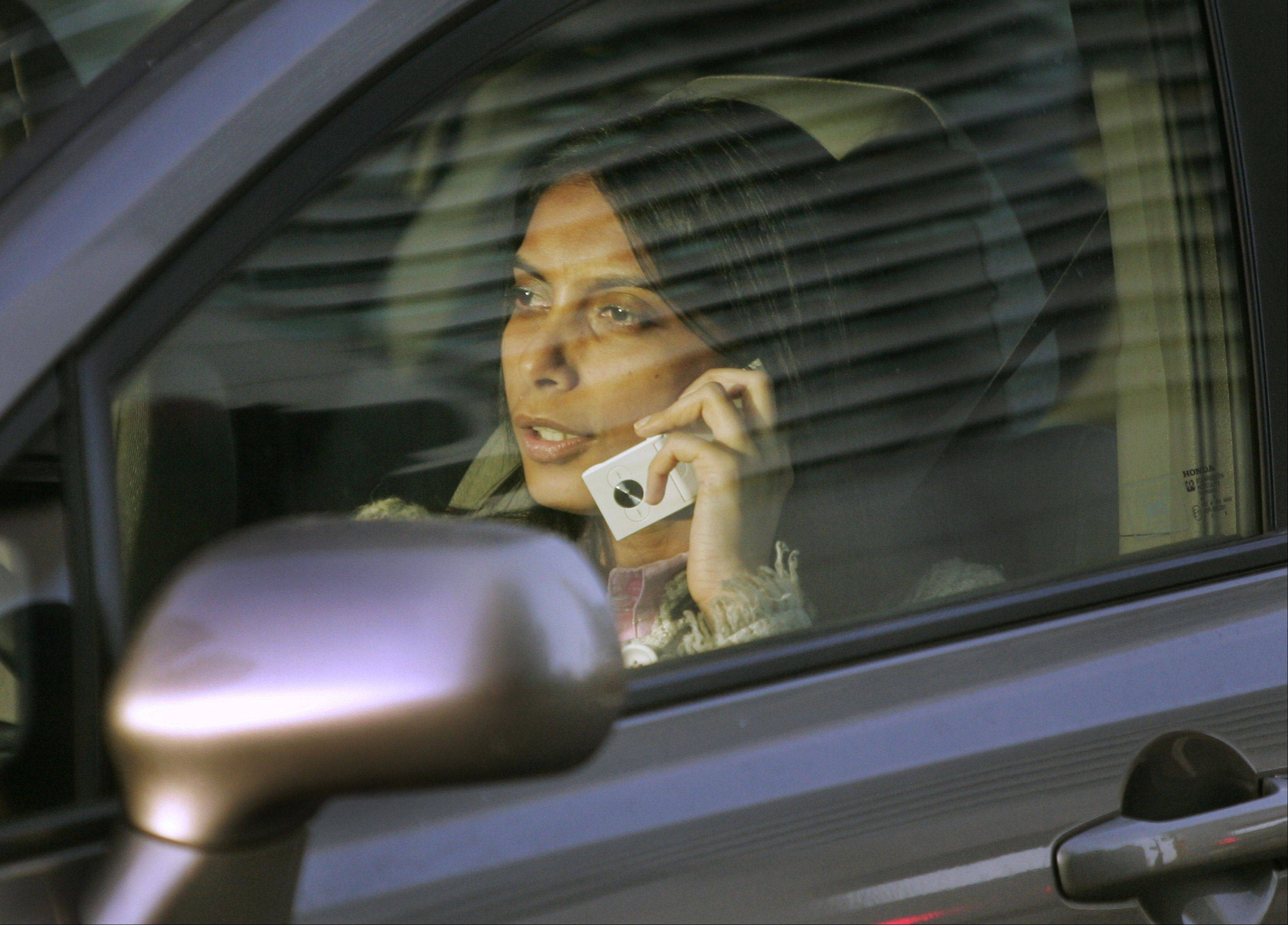 File photo It'll be up to Gov. Pat Quinn to decide whether Illinois drivers are allowed to talk on handheld cellphones while driving.