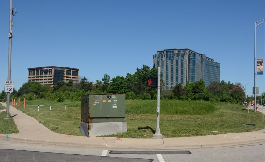 This is the site of a new hotel/office development at the northwest corner of Higgins and River roads in Rosemont.