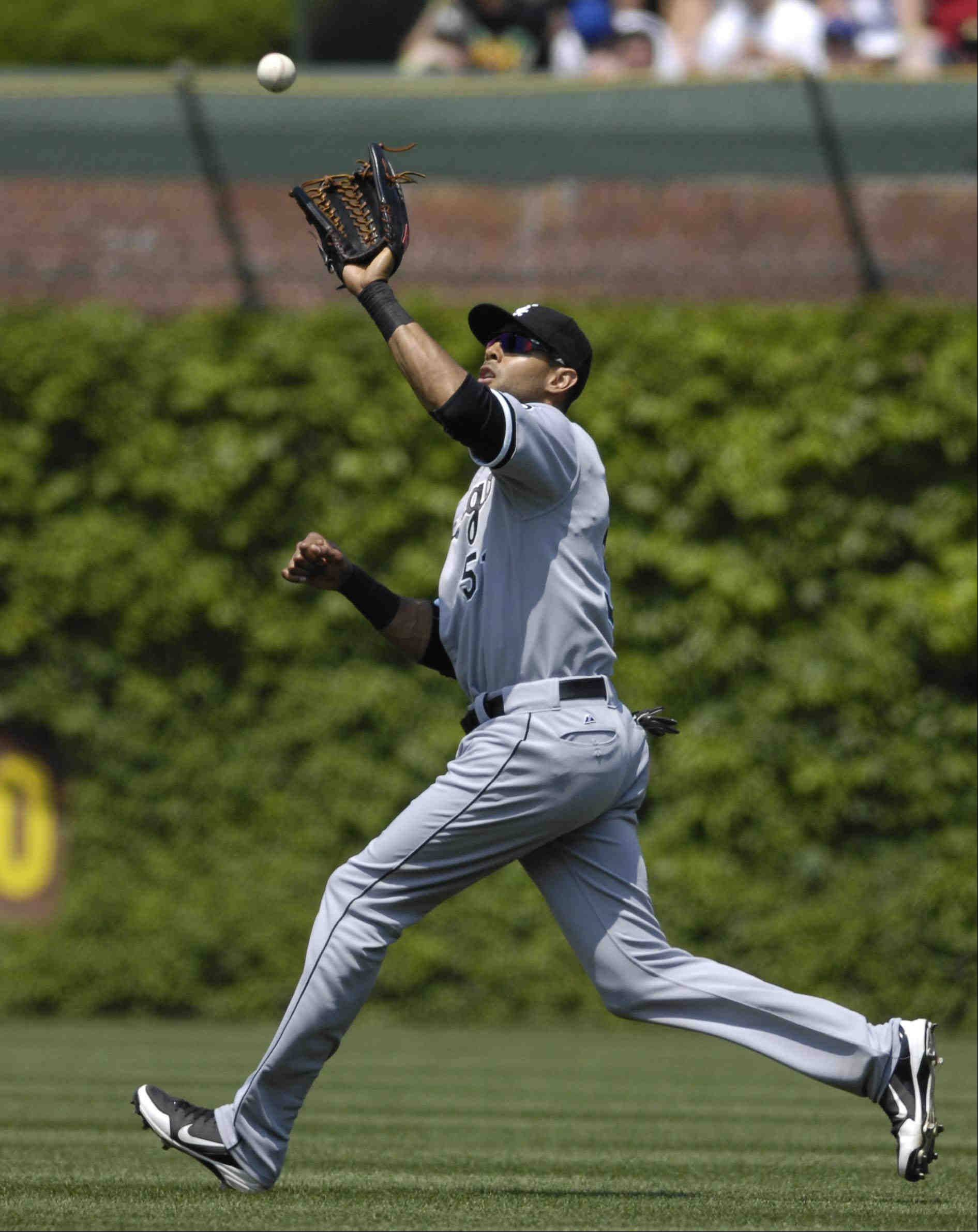 Chicago White Sox right fielder Alex Rios catches a Darwin Barney pop-up in the second inning.