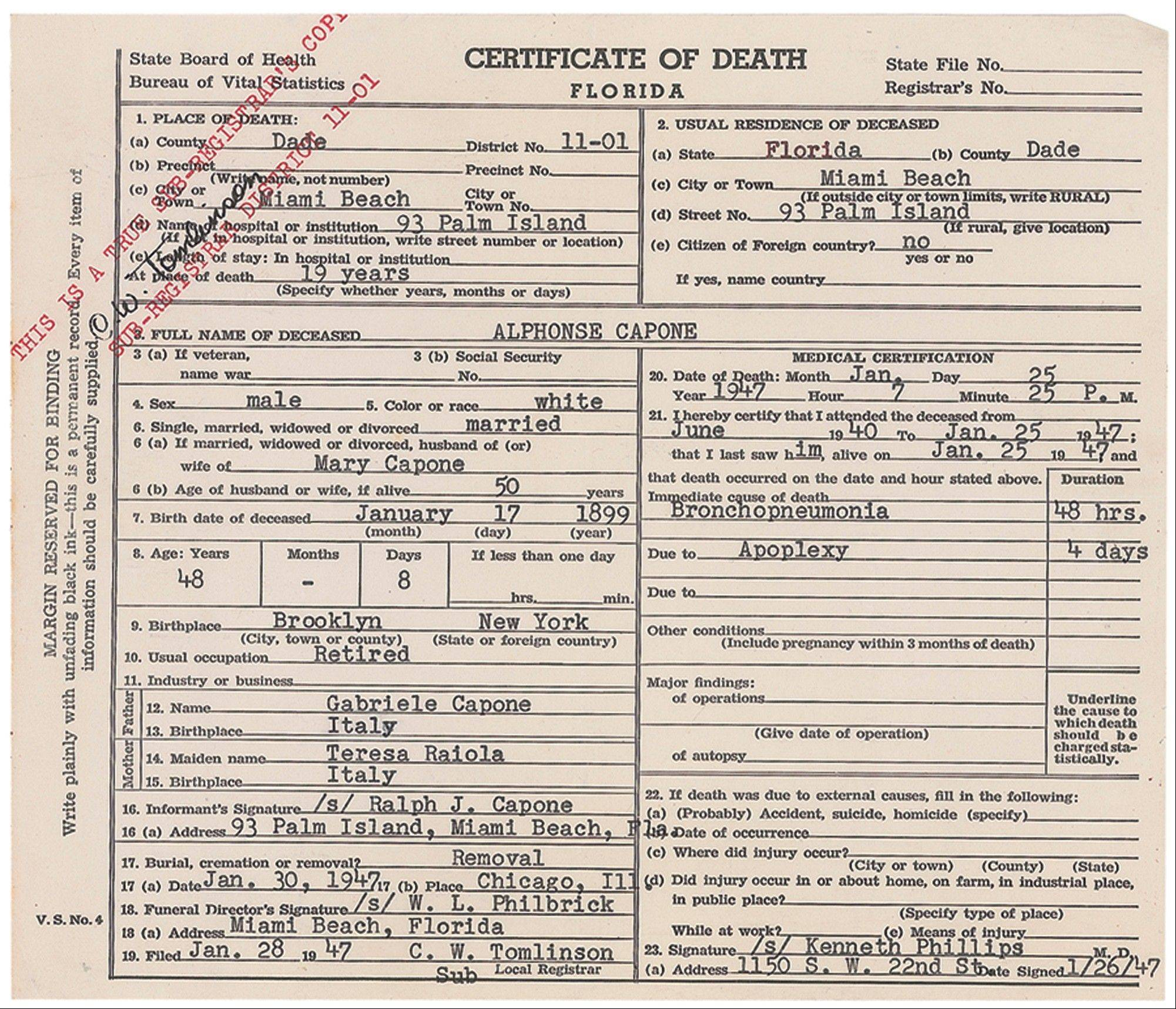"This image released by RR Auction in Amherst, N.H., shows the death certificate for gangster Al Capone. The document is part of an ""Old West, Gangsters and Mobsters"" collection that will be auctioned in June."