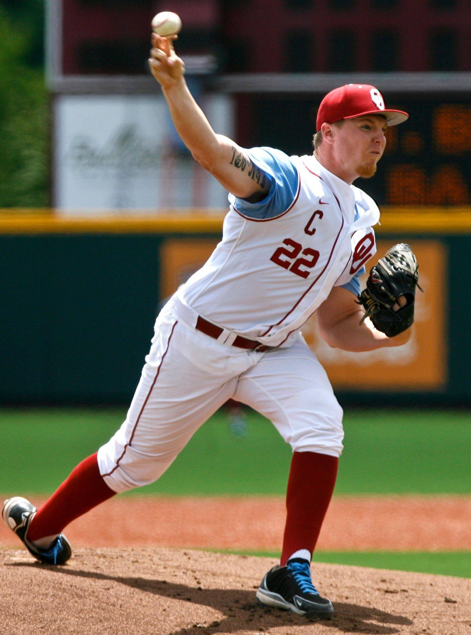 Oklahoma starter Jonathan Gray (above) and Stanford's Mark Appel could turn into the next Justin Verlander or Josh Beckett. Matt Spiegel says it would be tough for the Cubs to pass up either one with the second pick of the MLB draft Thursday.