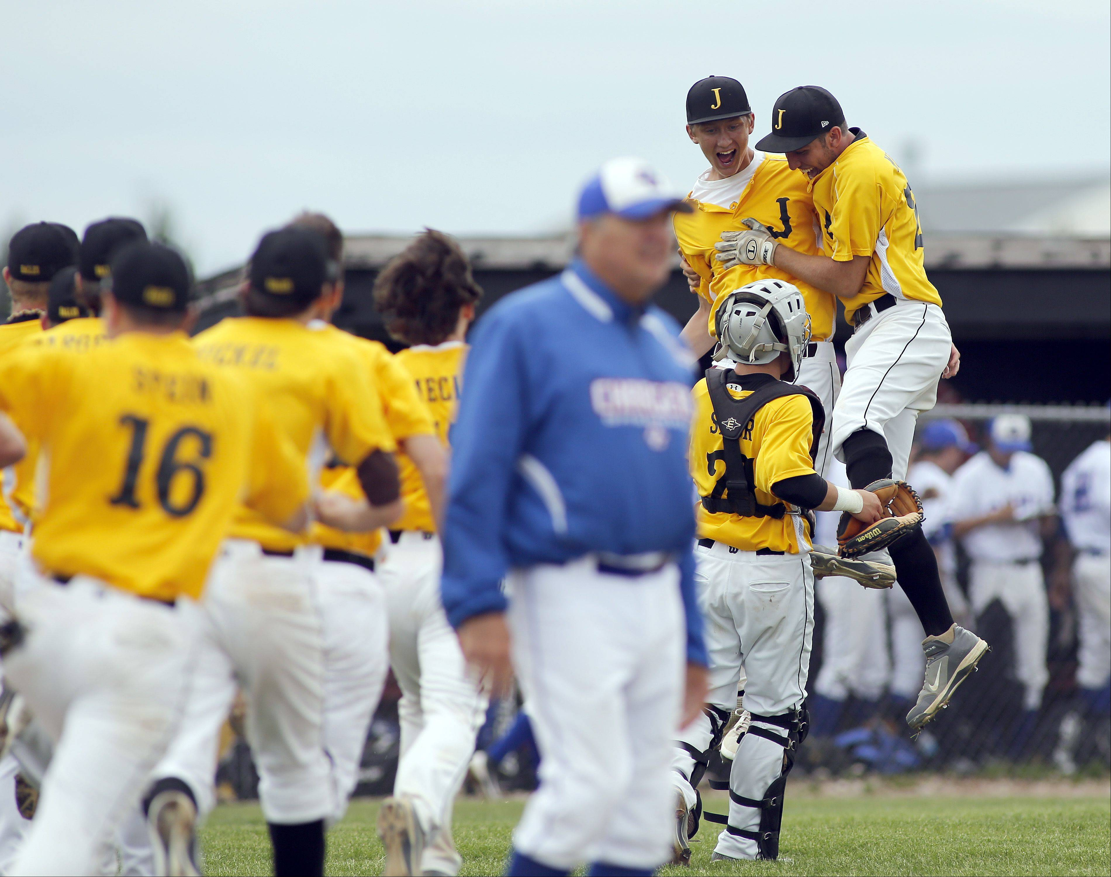 Jacobs blanks Dundee-Crown for 1st sectional title