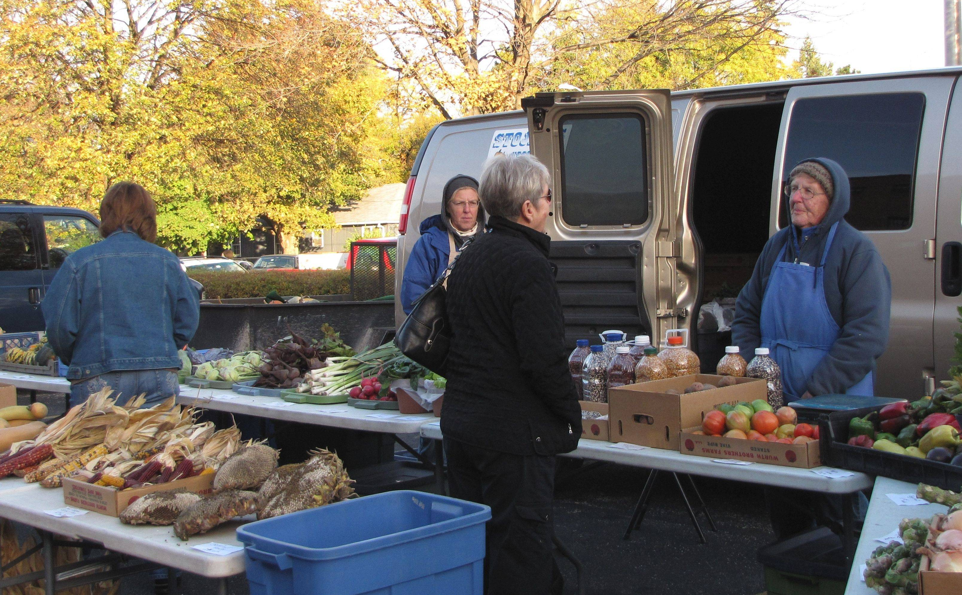 As autumn arrives and the season changes, new crops of vegetables appear at outdoor markets throughout the suburbs.