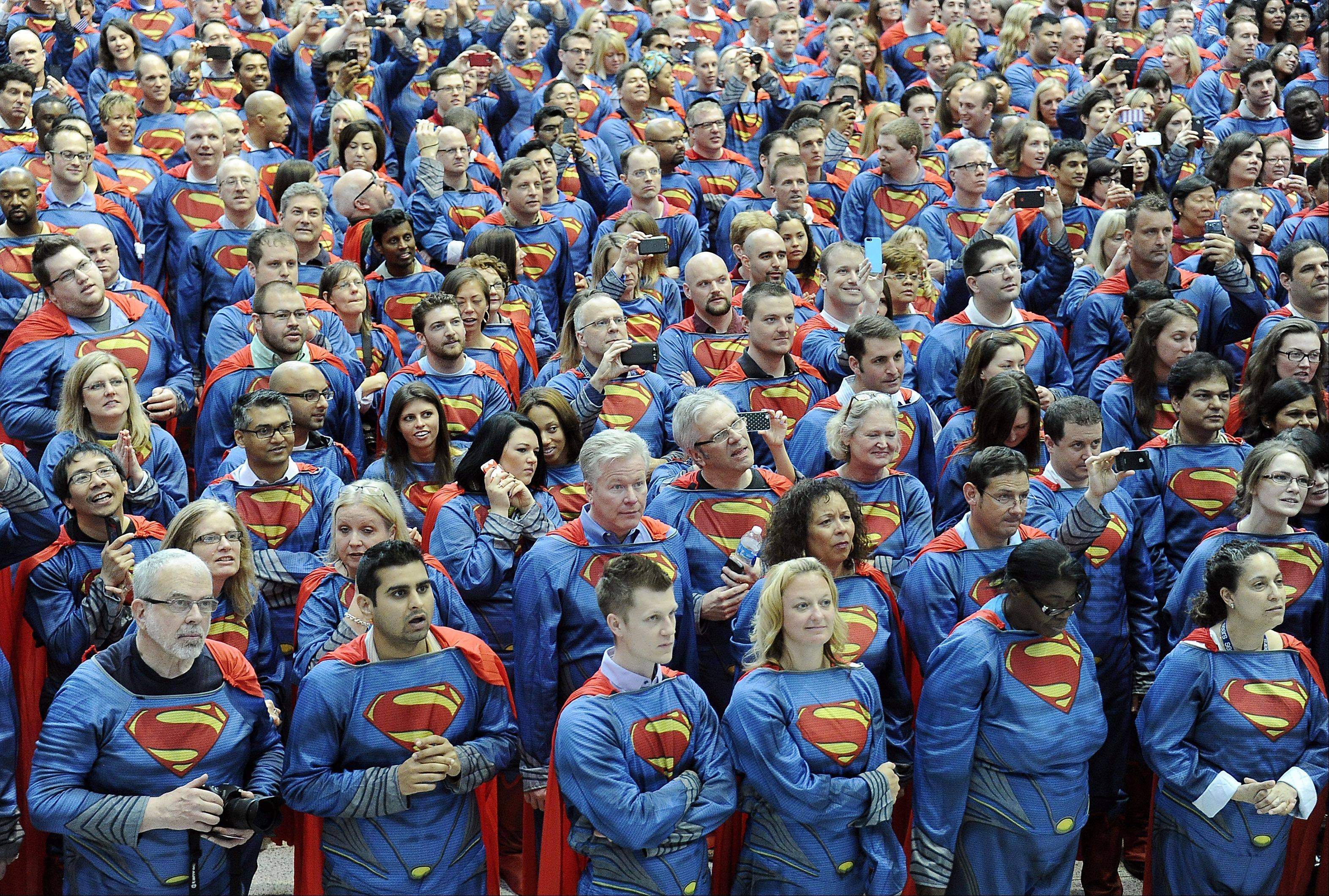 Sears Holdings Corp. employees -- 566 of them in all -- helped set a Guinness World Record at the company's Hoffman Estates headquarters.