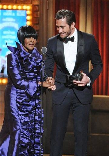 "Cicely Tyson, winner of the Tony for best actress in a play for ""The Trip to Bountiful"" gets a little assistance from presenter Jake Gyllenhaal."