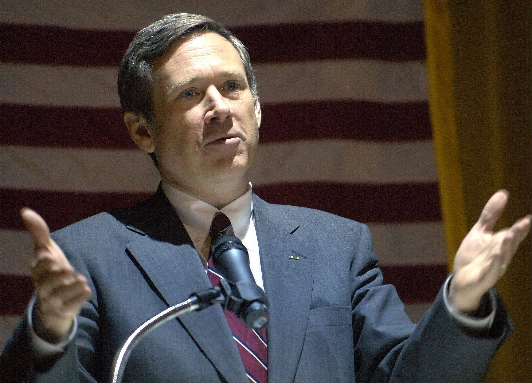 While Republican Sen. Mark Kirk says he is reviewing the immigration reform law coming before the U.S. Senate, Illinois business leaders are urging him to get behind the legislation.