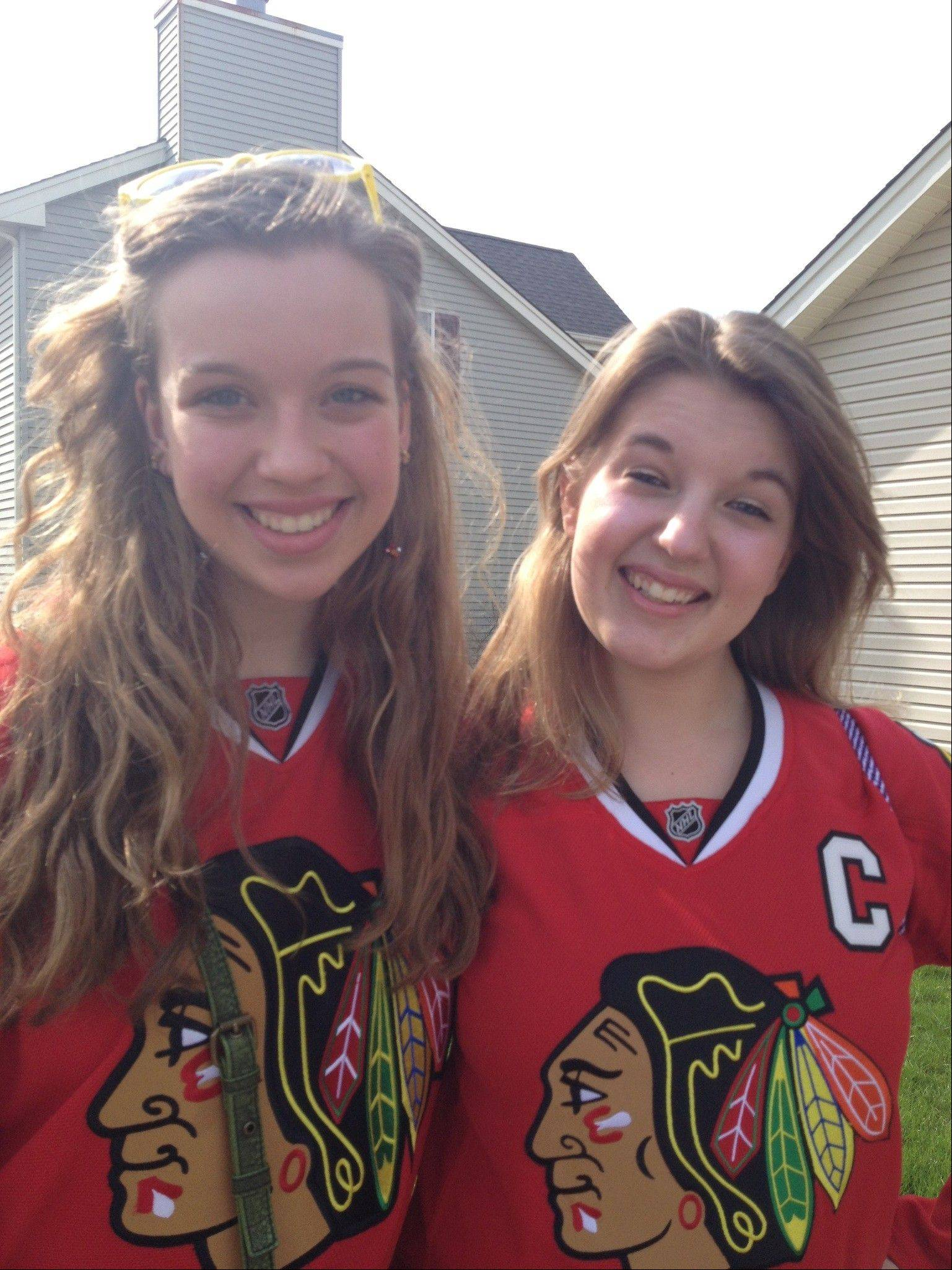 Young fans! Emily Wittenberg and Lindsey Kyrsinski of Carol Stream.