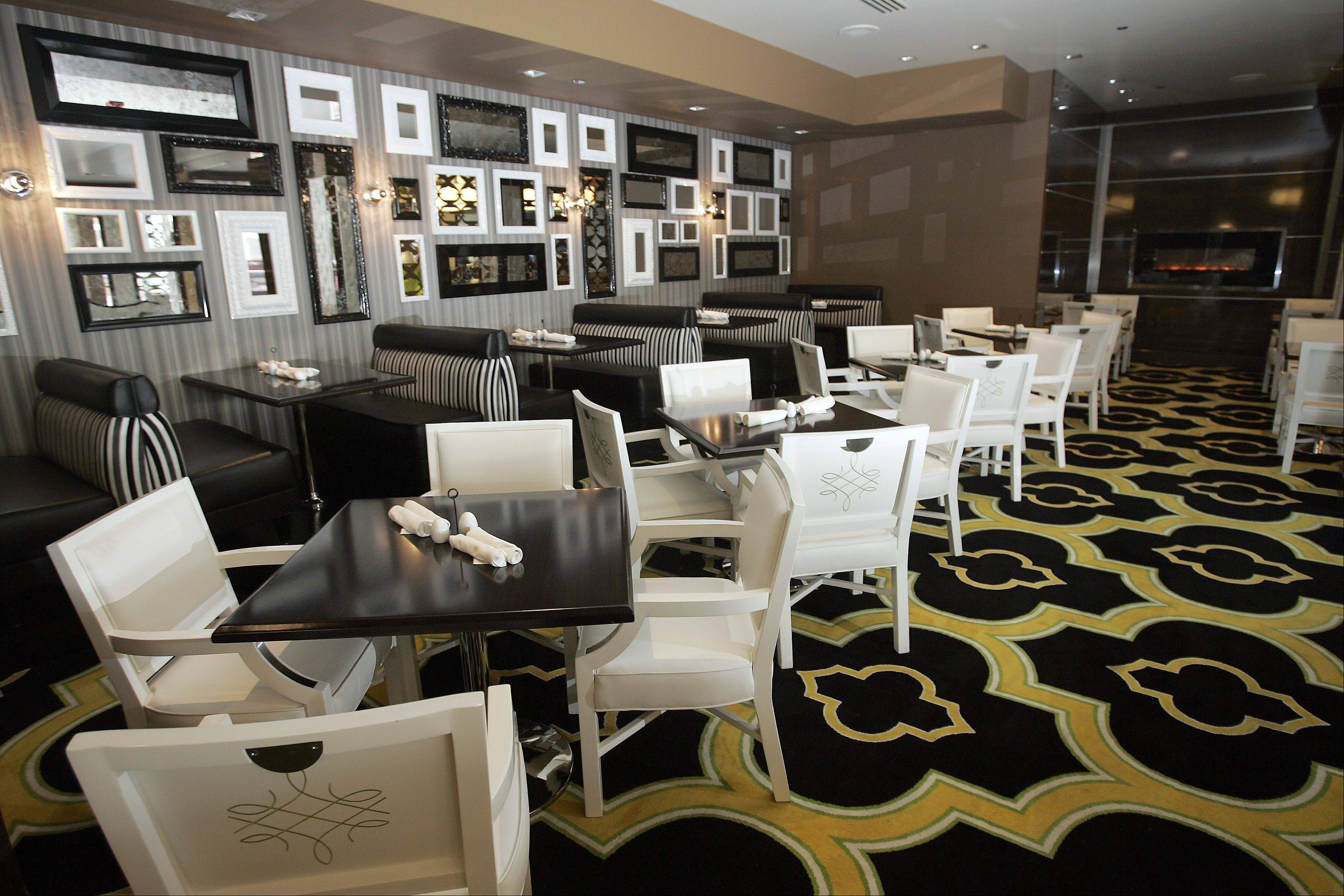 The dining room at Indulge Buffet offers seating for 300 people.