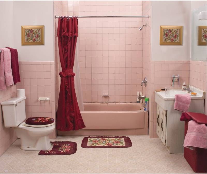 This Bathroom Was Updated By Phoenix Bathtub Renewals Inc As Porcelain Tubs And Tiles