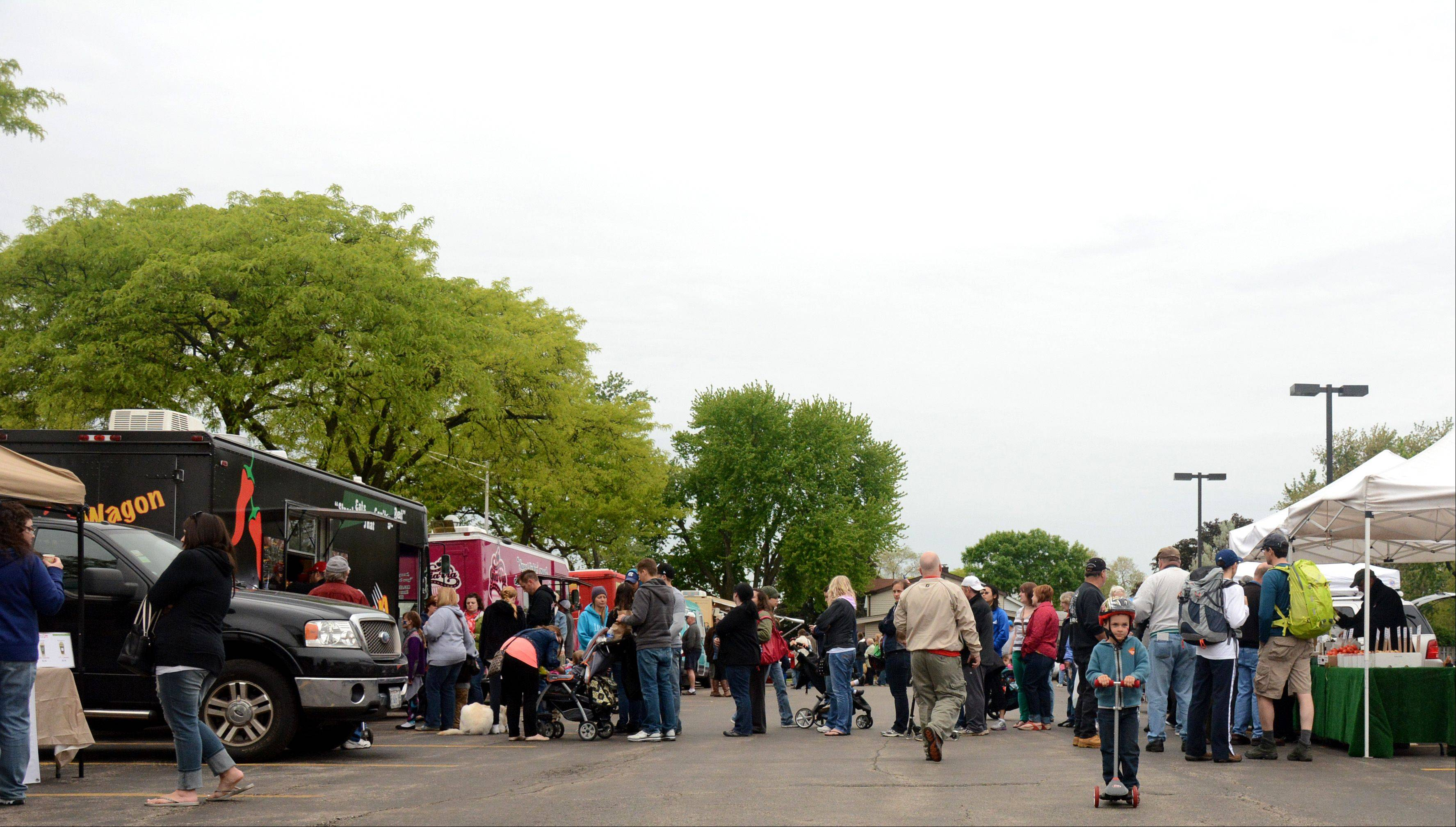 Rolling Meadows plans a monthly Farmers Market/Food Truck event this summer and fall.