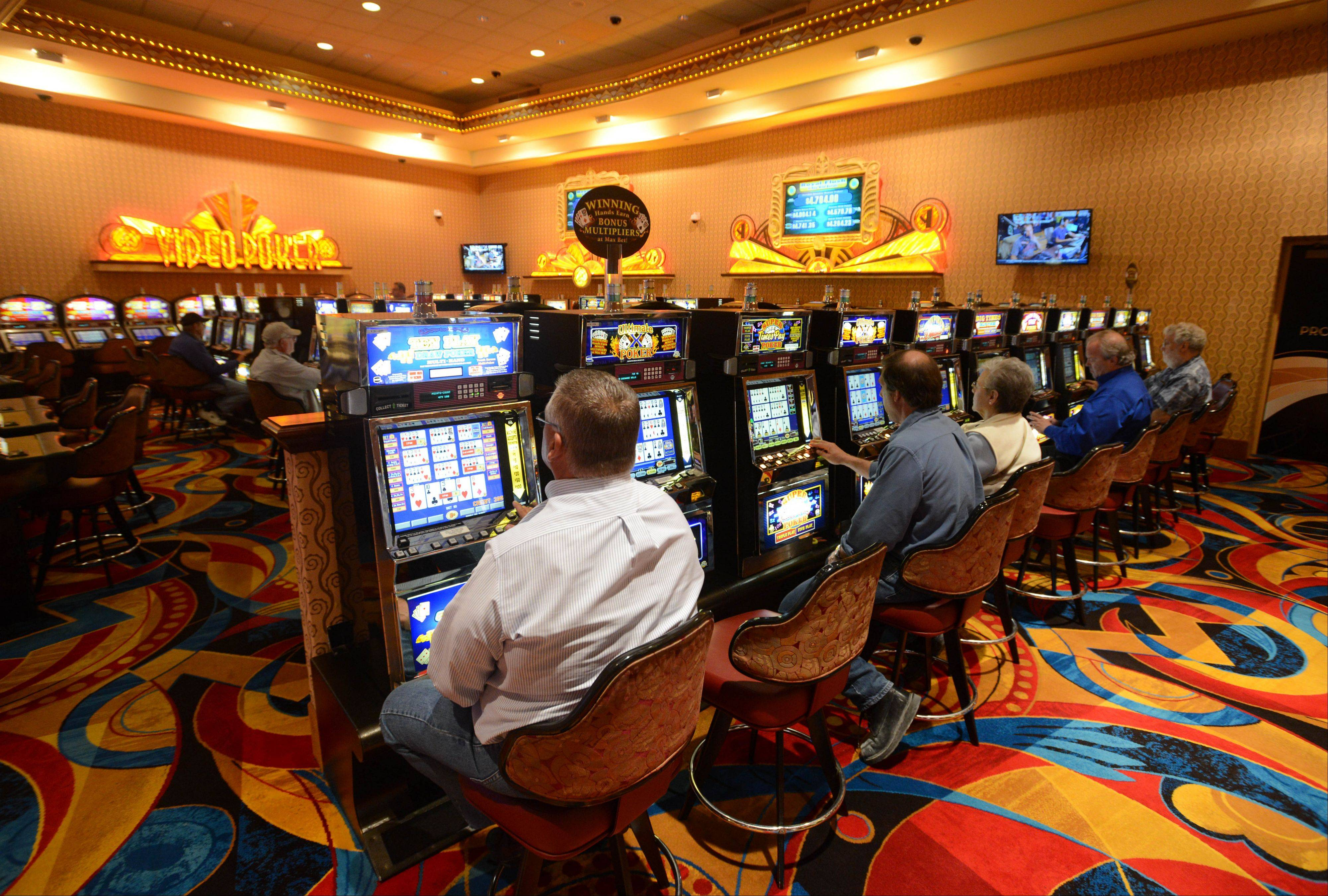 Celebrating its 20th anniversary this month, Hollywood Casino Aurora offers 1,170 slot machines, 26 table games, an entertainment stage, a steakhouse, a buffet and a deli in 53,000 square feet of space.