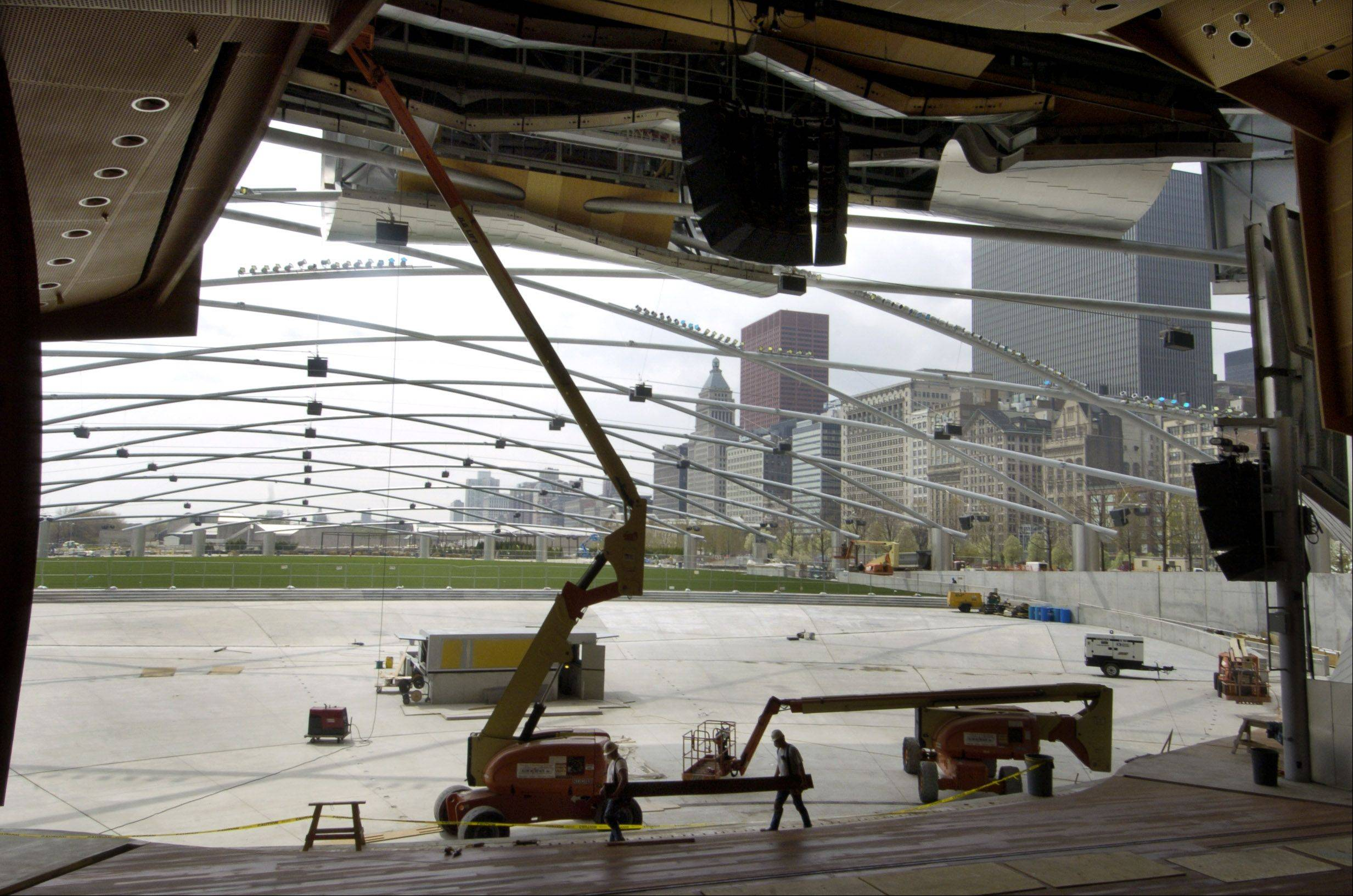 Pritzker pavilion at Millenium Park will have a screen that will function like a big TV and connect the pavilion with free culture, sports and entertainment from around the world.